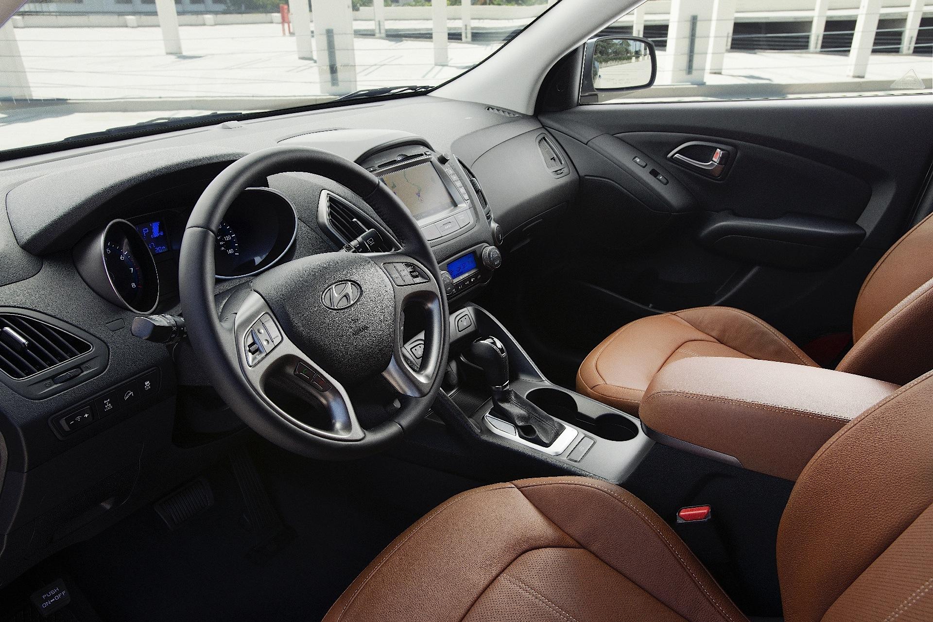 Hyundai Ix35 Tucson Specs Amp Photos 2013 2014 2015