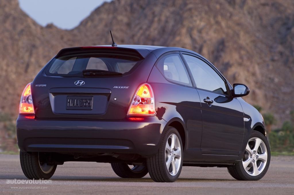 2004 hyundai accent tire size