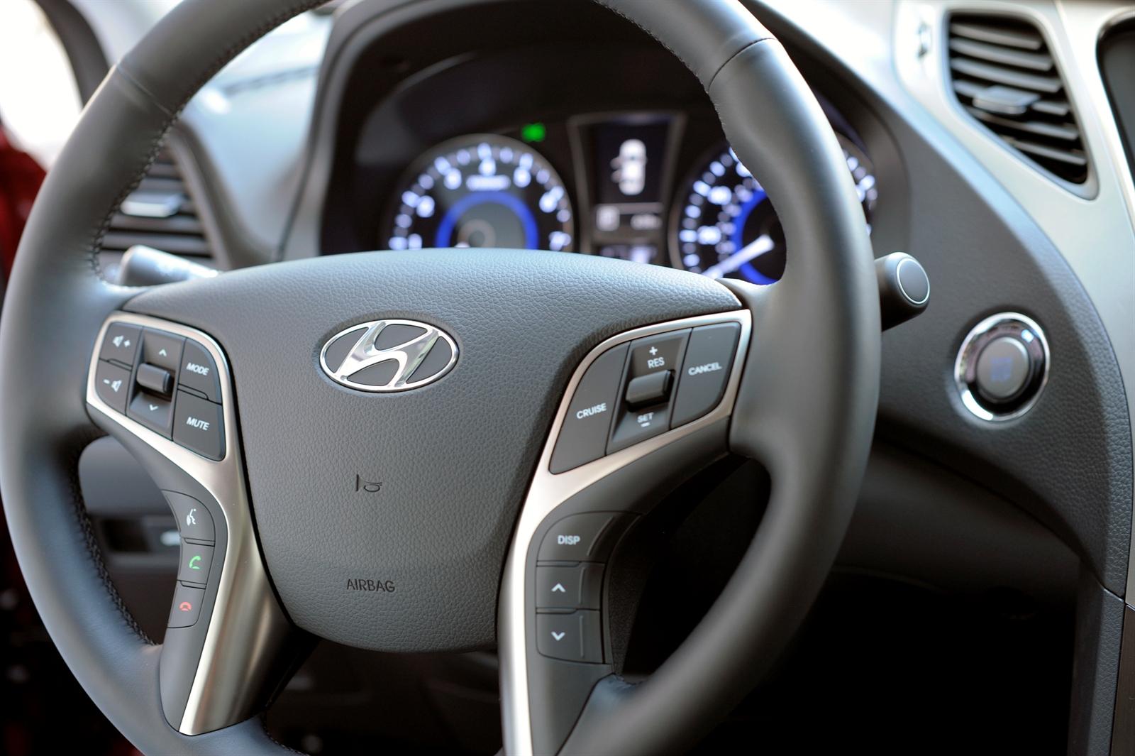 Hyundai Azera Specs Amp Photos 2012 2013 2014 2015