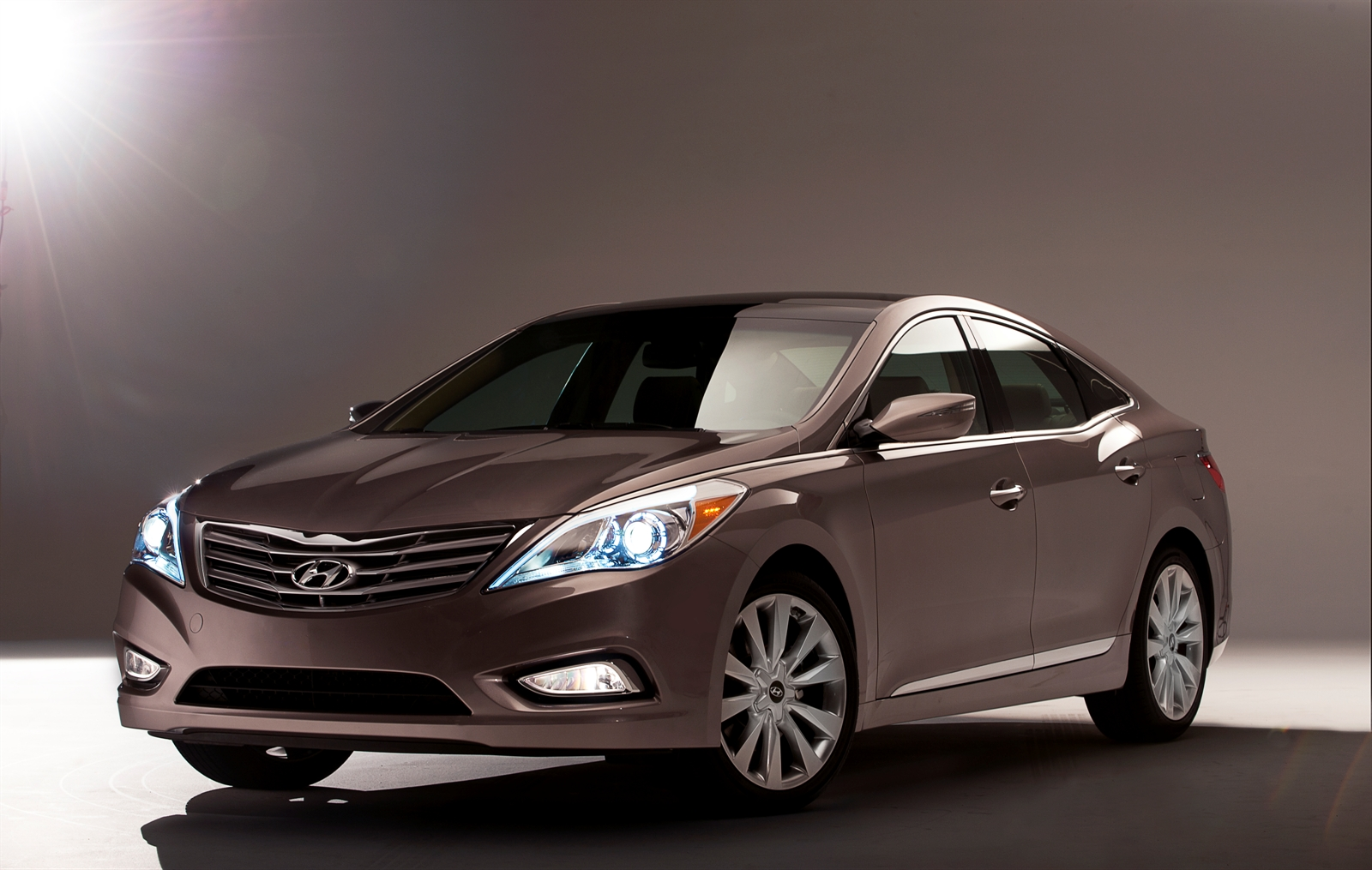 Hyundai Azera Specs Photos 2012 2013 2014 2015 2016 2017