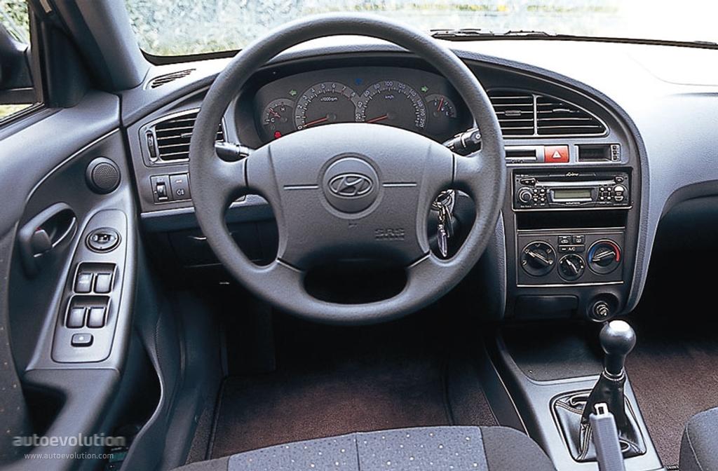 hyundai elantra 4 doors specs 2000 2001 2002 2003 autoevolution rh autoevolution com hyundai elantra 2001 owners manual hyundai elantra 2001 owners manual
