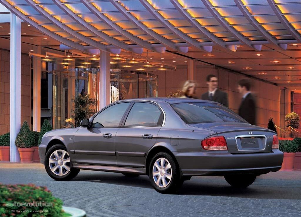 Hyundaisonata on 2001 Hyundai Elantra