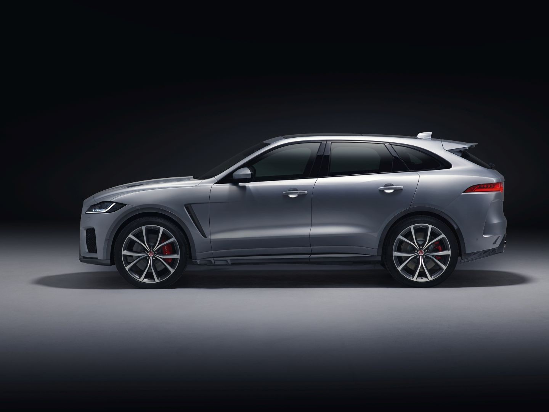 jaguar f pace svr specs 2018 autoevolution. Black Bedroom Furniture Sets. Home Design Ideas