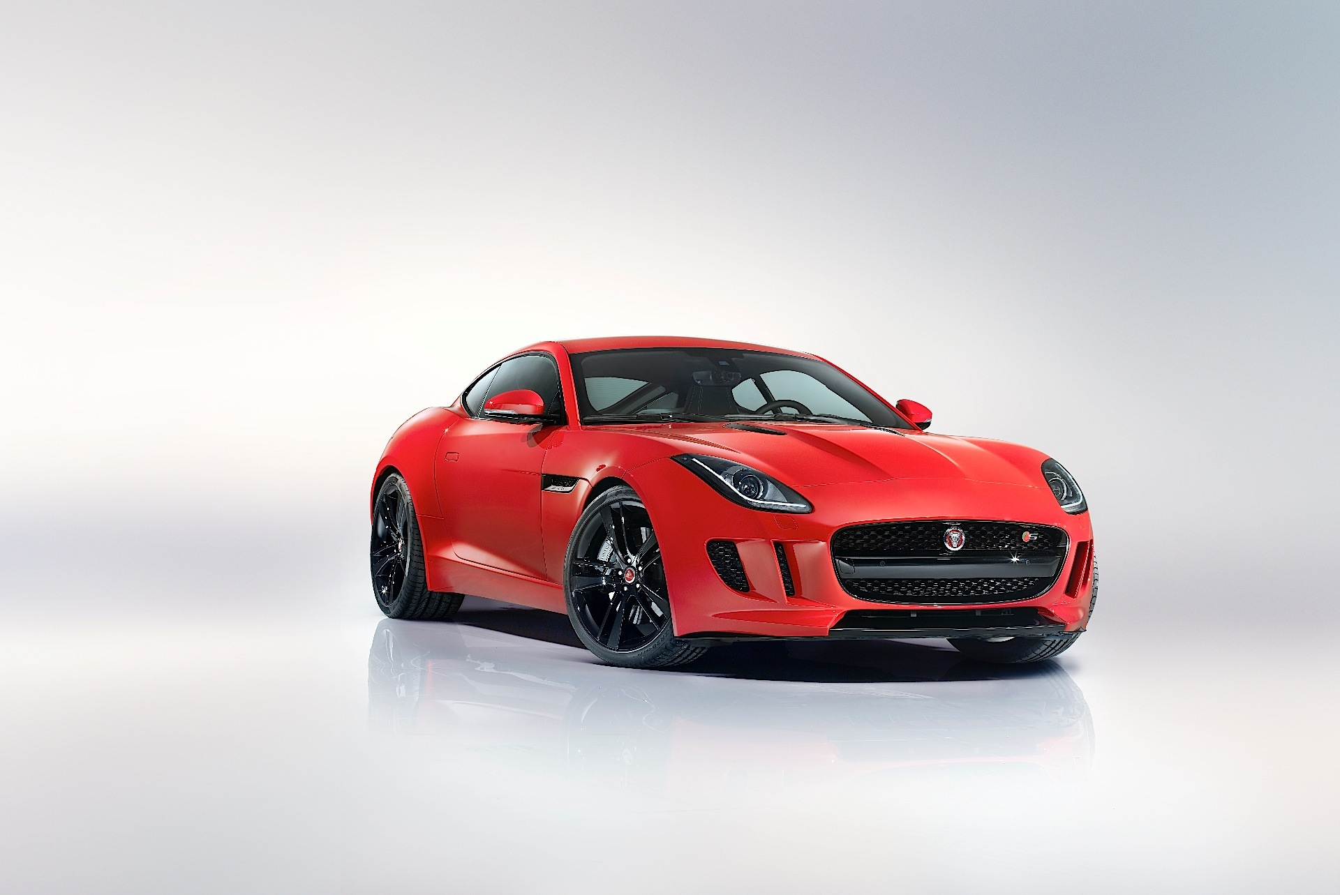 jaguar f type coupe specs 2014 2015 2016 2017 autoevolution. Black Bedroom Furniture Sets. Home Design Ideas