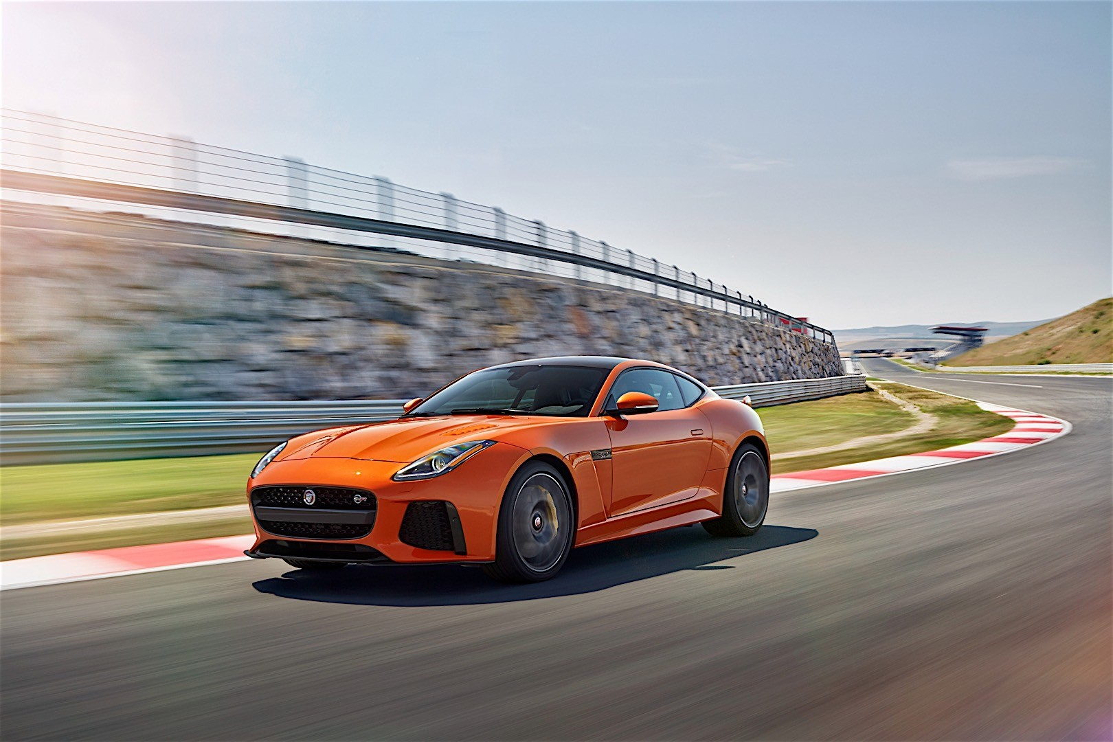 jaguar f type svr coupe specs 2016 2017 autoevolution. Black Bedroom Furniture Sets. Home Design Ideas