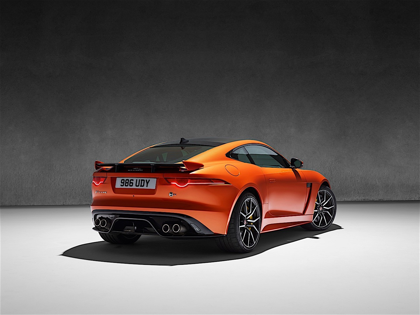 jaguar f type svr coupe 2016 autoevolution. Black Bedroom Furniture Sets. Home Design Ideas