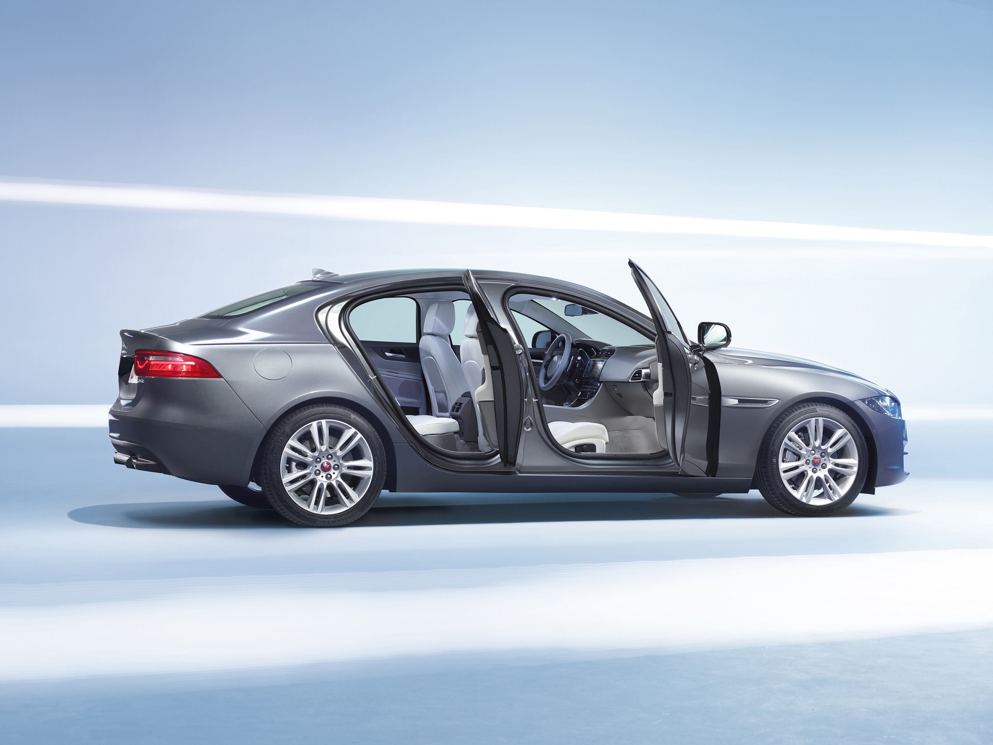 Jaguar xe interior dimensions