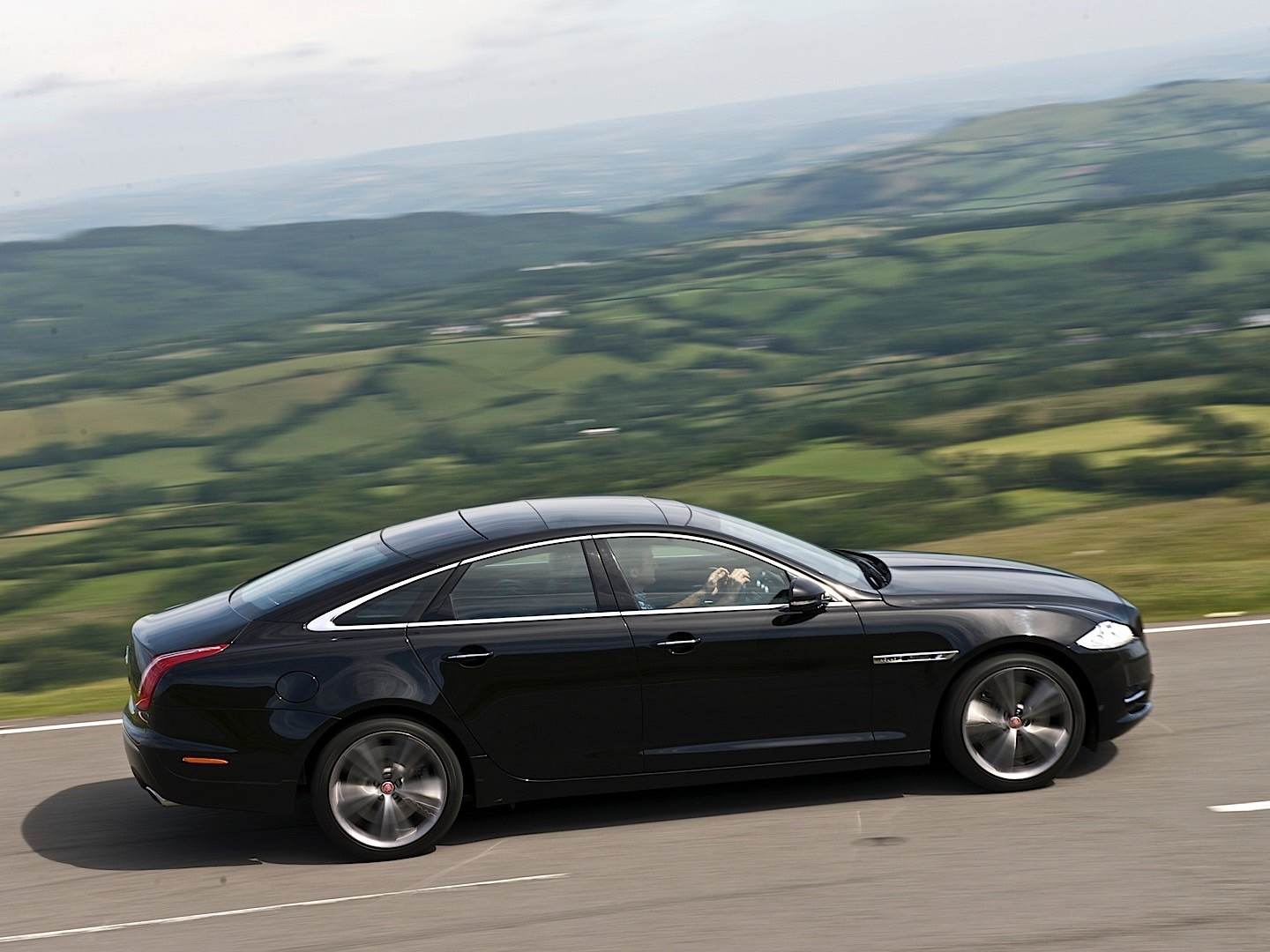 Jaguar has announced details of its 2013 model year generation XJ It