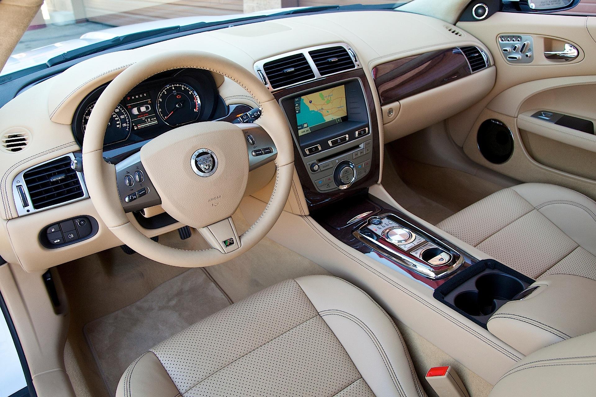 Jaguar Xk Cabrio Specs Amp Photos 2010 2011 2012 2013