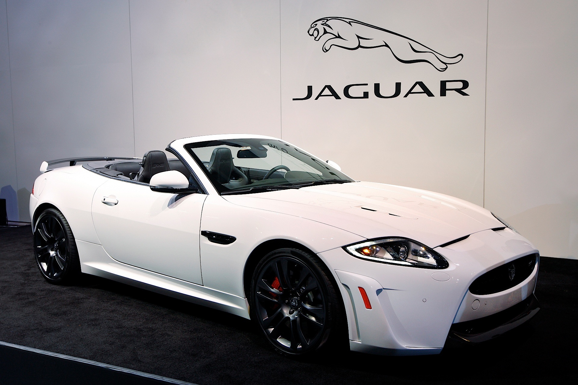 jaguar xkr s convertible specs 2011 2012 2013 2014 autoevolution. Black Bedroom Furniture Sets. Home Design Ideas