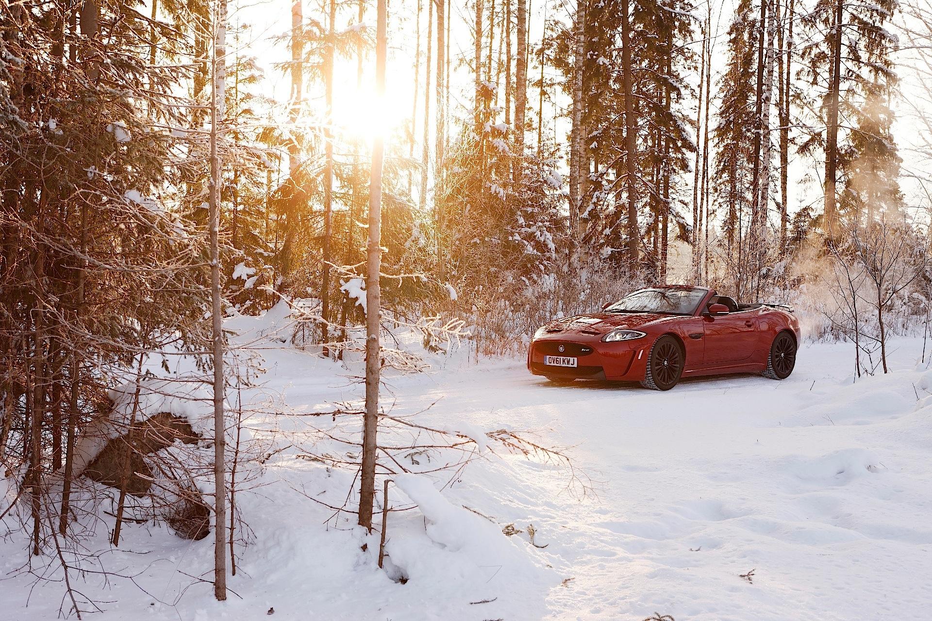 автомобиль красный снег загрузить