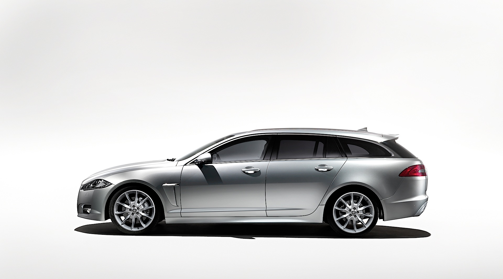 jaguar xf sportbrake specs 2012 2013 2014 2015. Black Bedroom Furniture Sets. Home Design Ideas