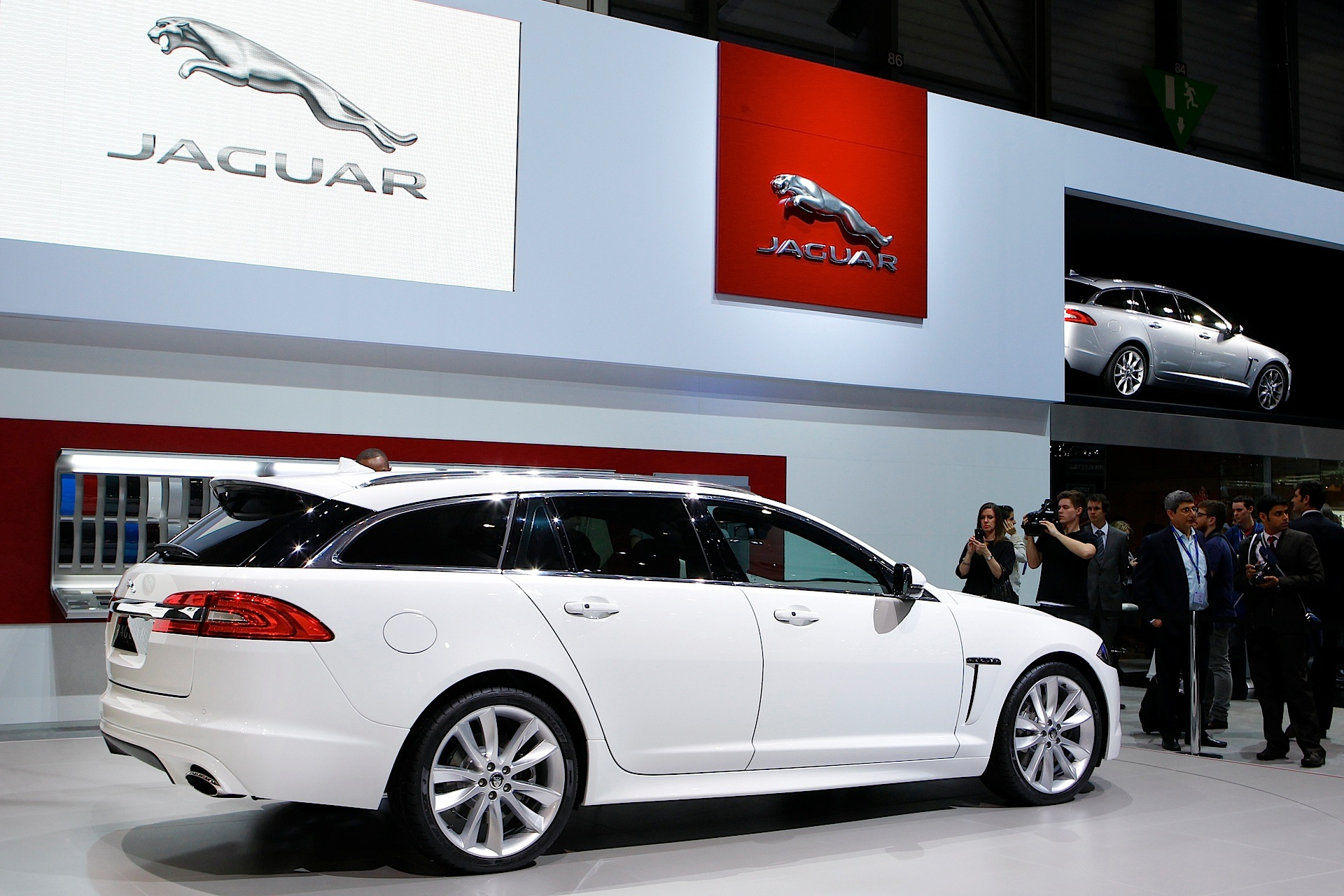ny xf l near great stock price htm used neck c sale jaguar for sport