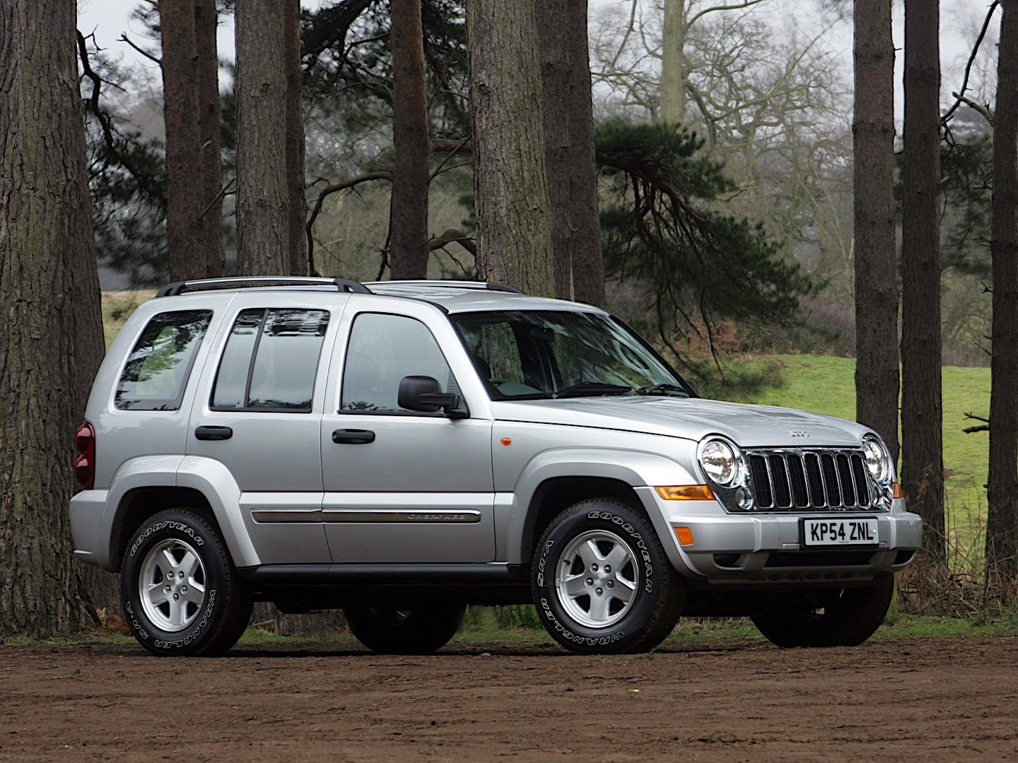 JEEP Cherokee/Liberty specs & photos - 2005, 2006, 2007 ...