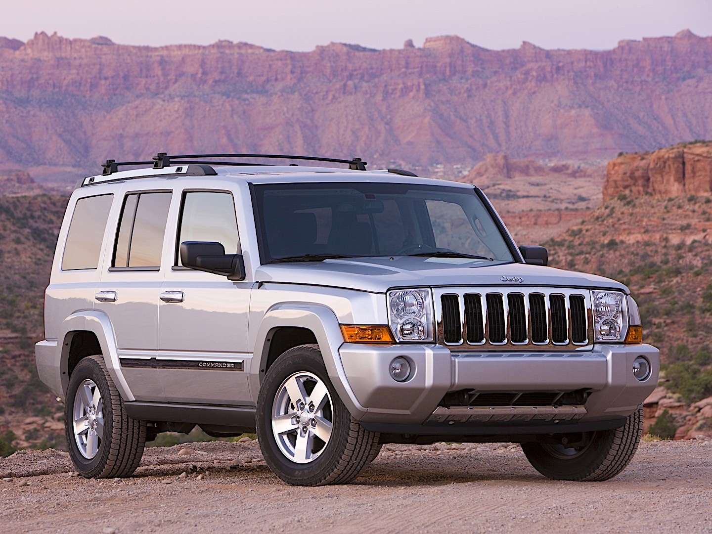 JEEP Commander specs & photos - 2005, 2006, 2007 ...