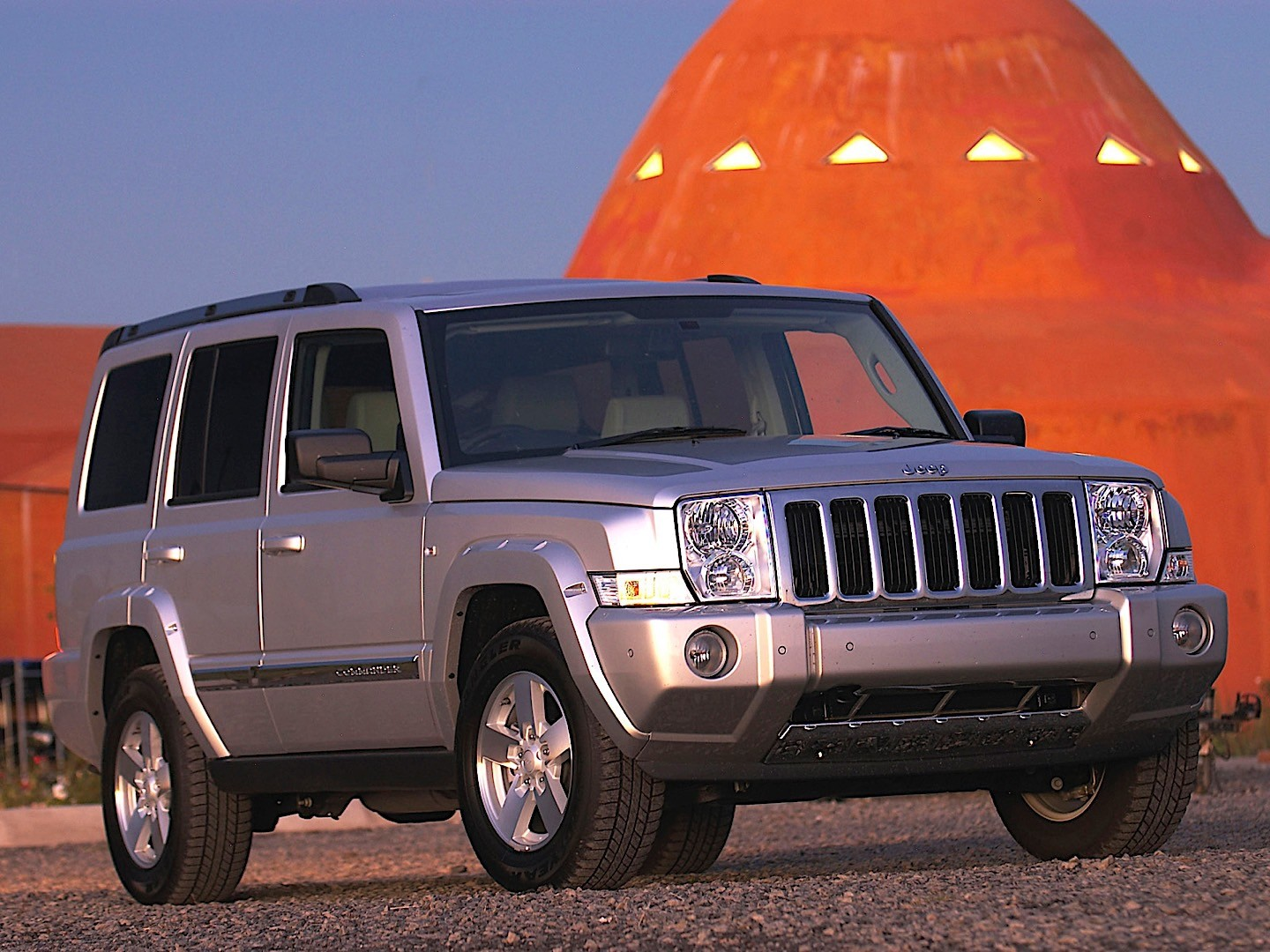 New Grand Wagoneer >> JEEP Commander specs & photos - 2005, 2006, 2007 - autoevolution