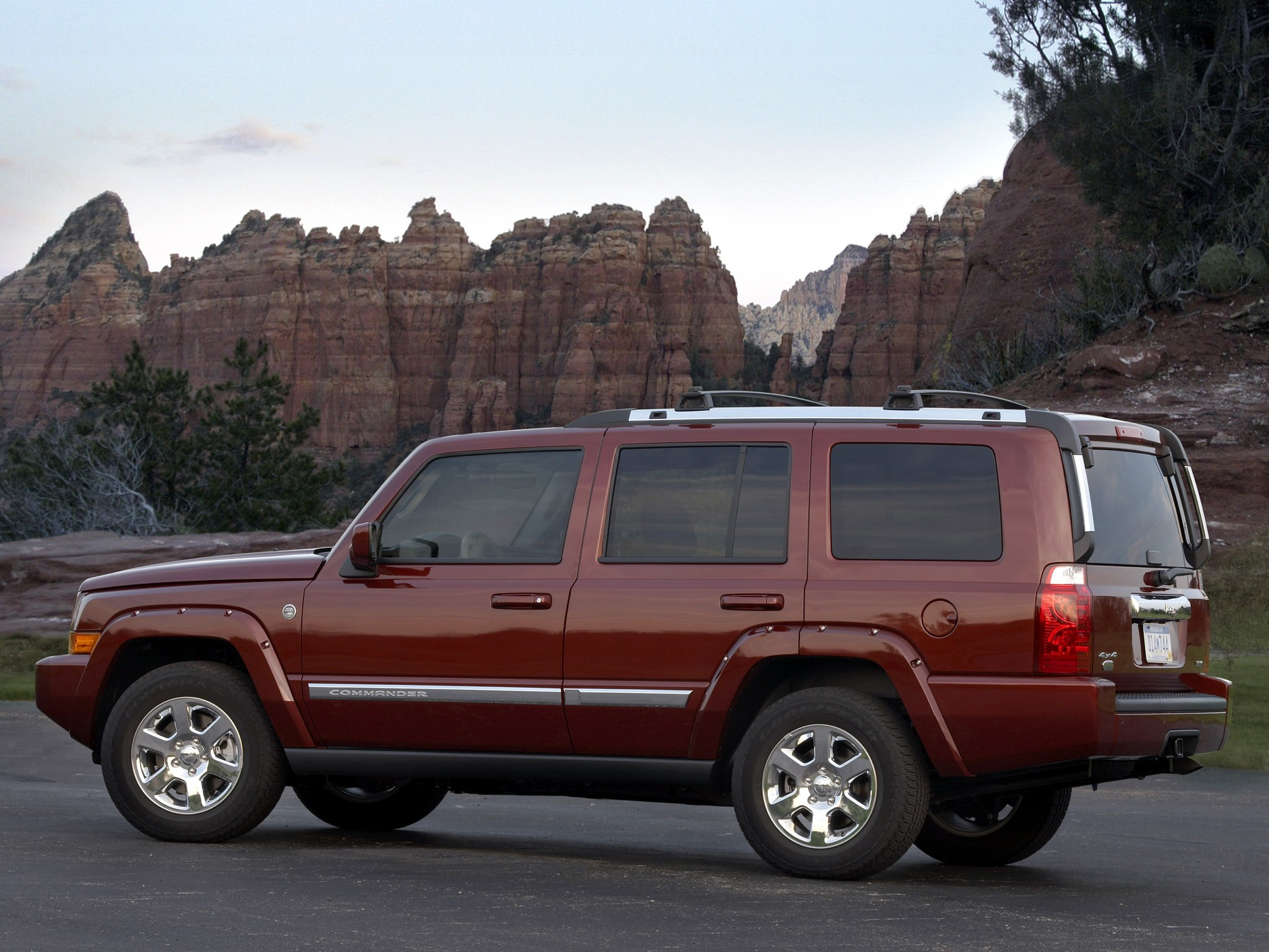 jeep commander 2008 2009 2010 autoevolution. Black Bedroom Furniture Sets. Home Design Ideas