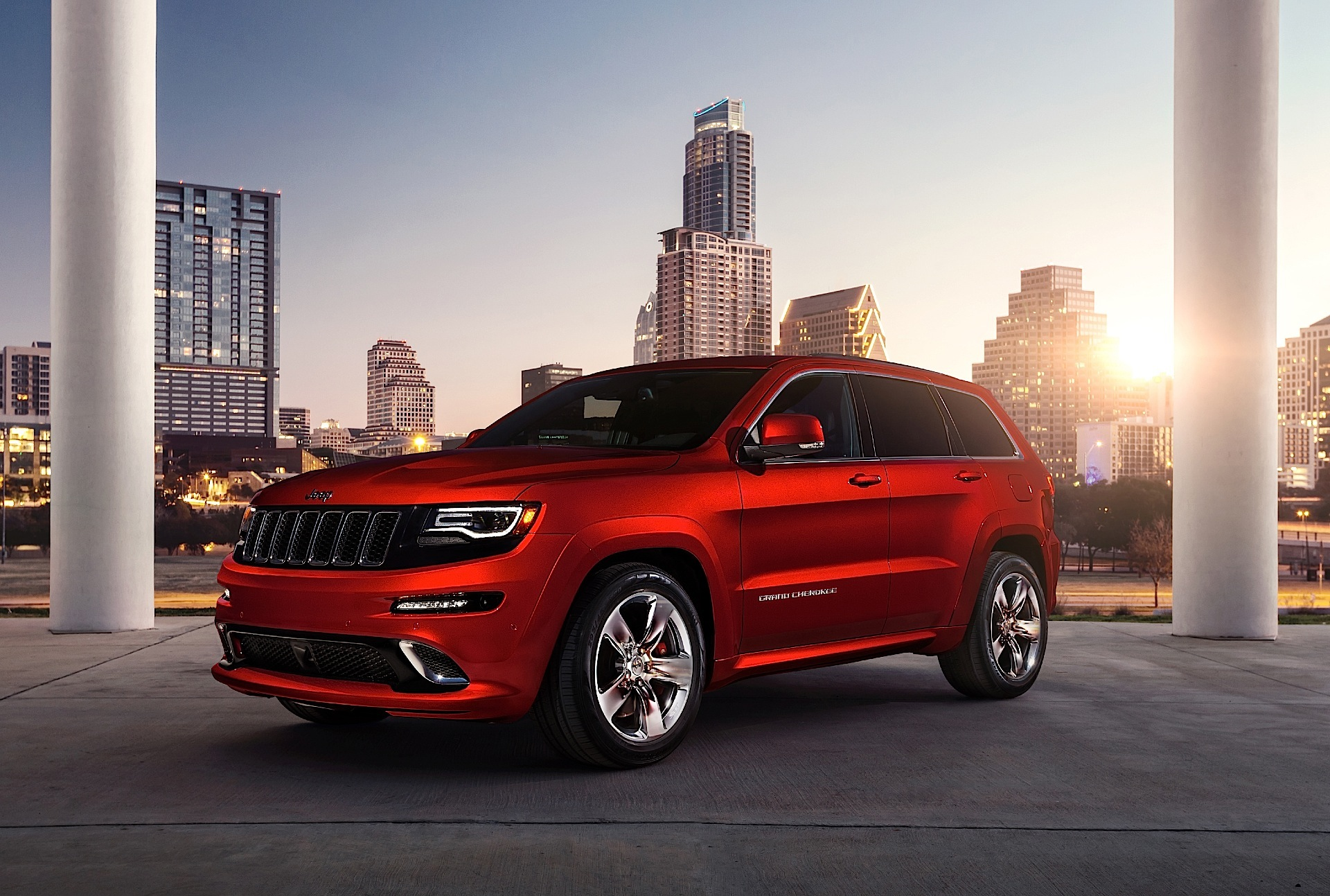 jeep grand cherokee srt specs photos 2013 2014 2015 2016 2017 2018 autoevolution. Black Bedroom Furniture Sets. Home Design Ideas