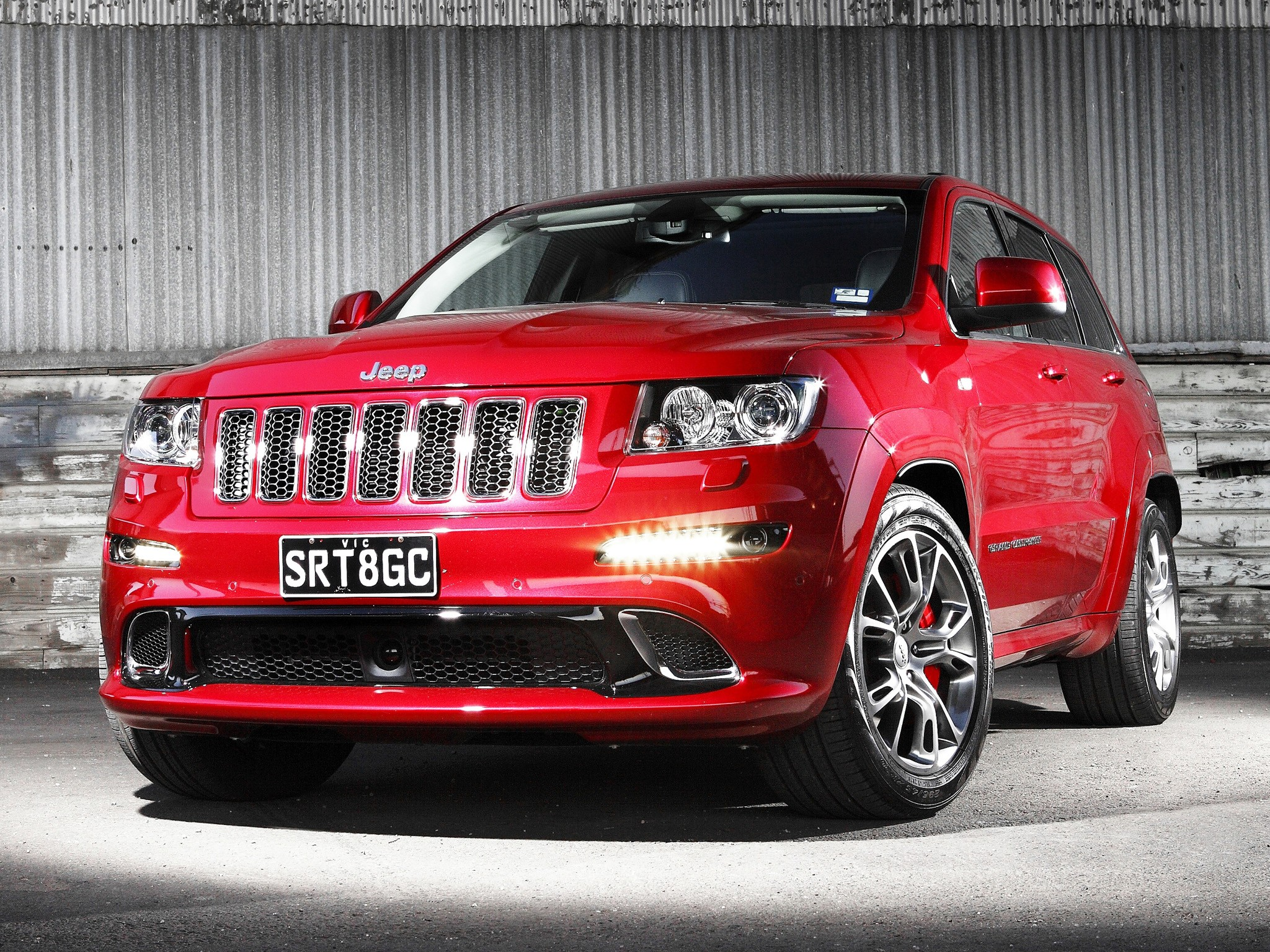 jeep grand cherokee srt 8 2012 2013 2014 autoevolution. Black Bedroom Furniture Sets. Home Design Ideas