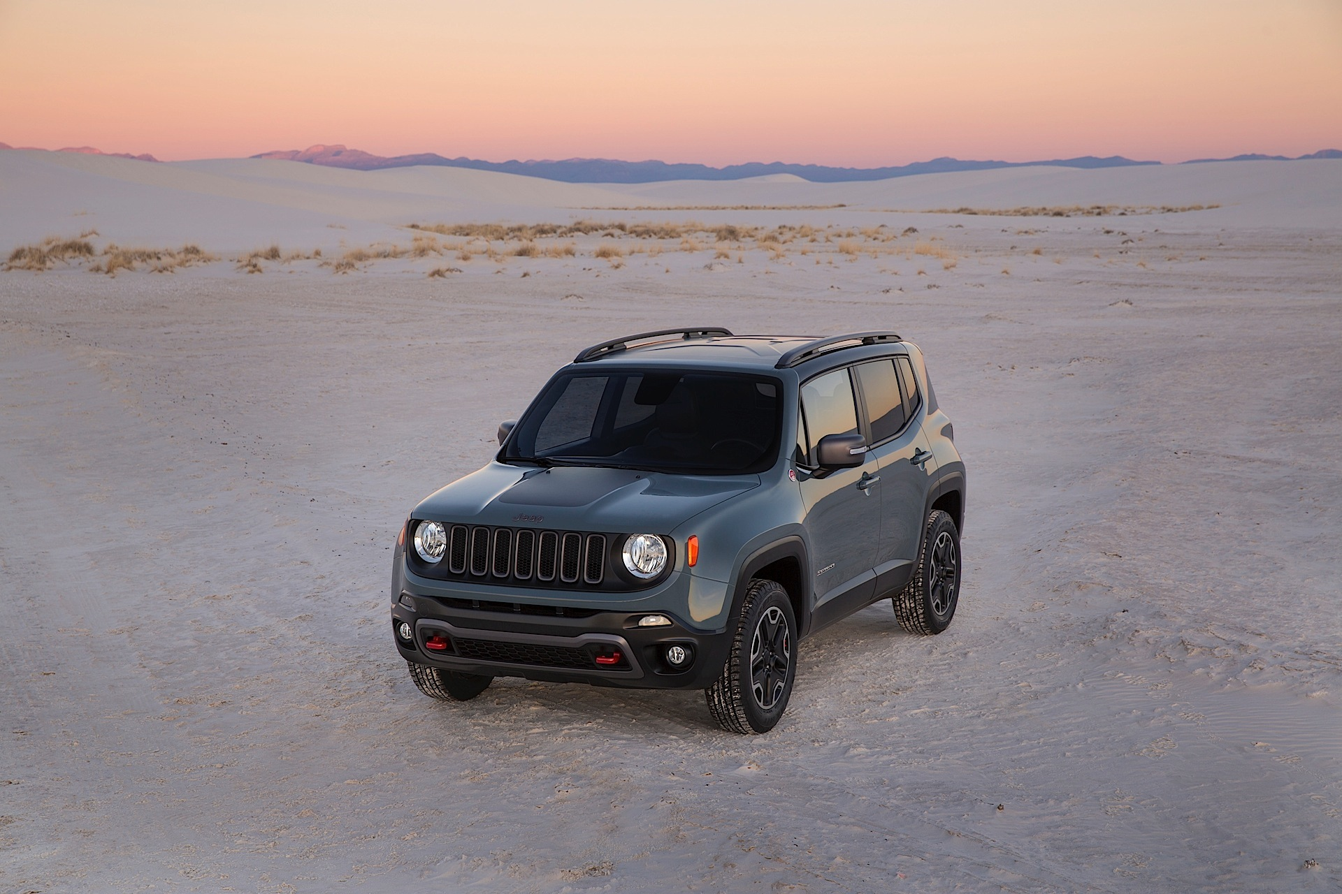 jeep renegade specs 2014 2015 2016 2017 2018 autoevolution. Black Bedroom Furniture Sets. Home Design Ideas