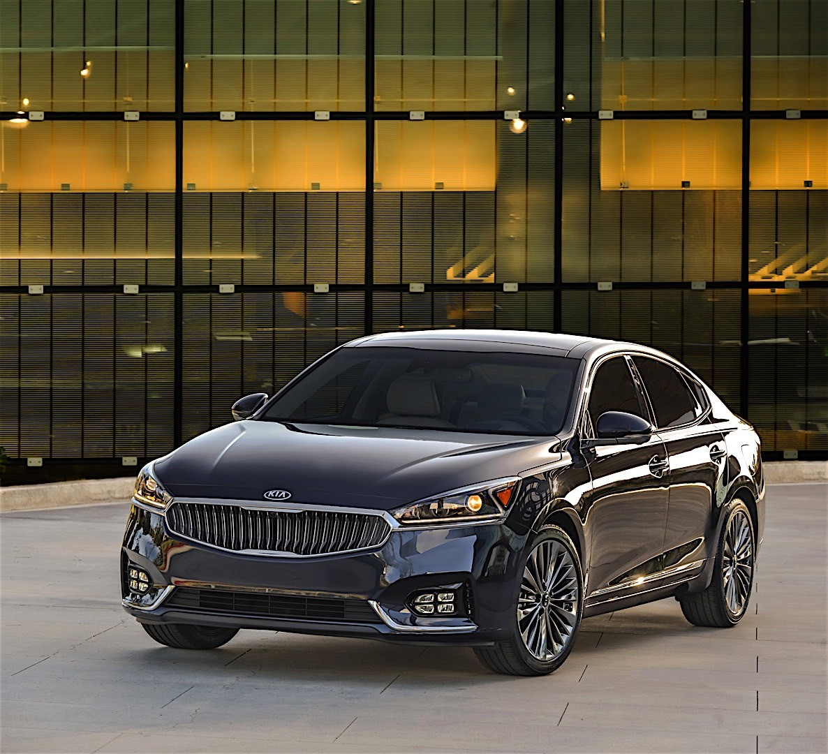 KIA K7 / Cadenza Specs & Photos
