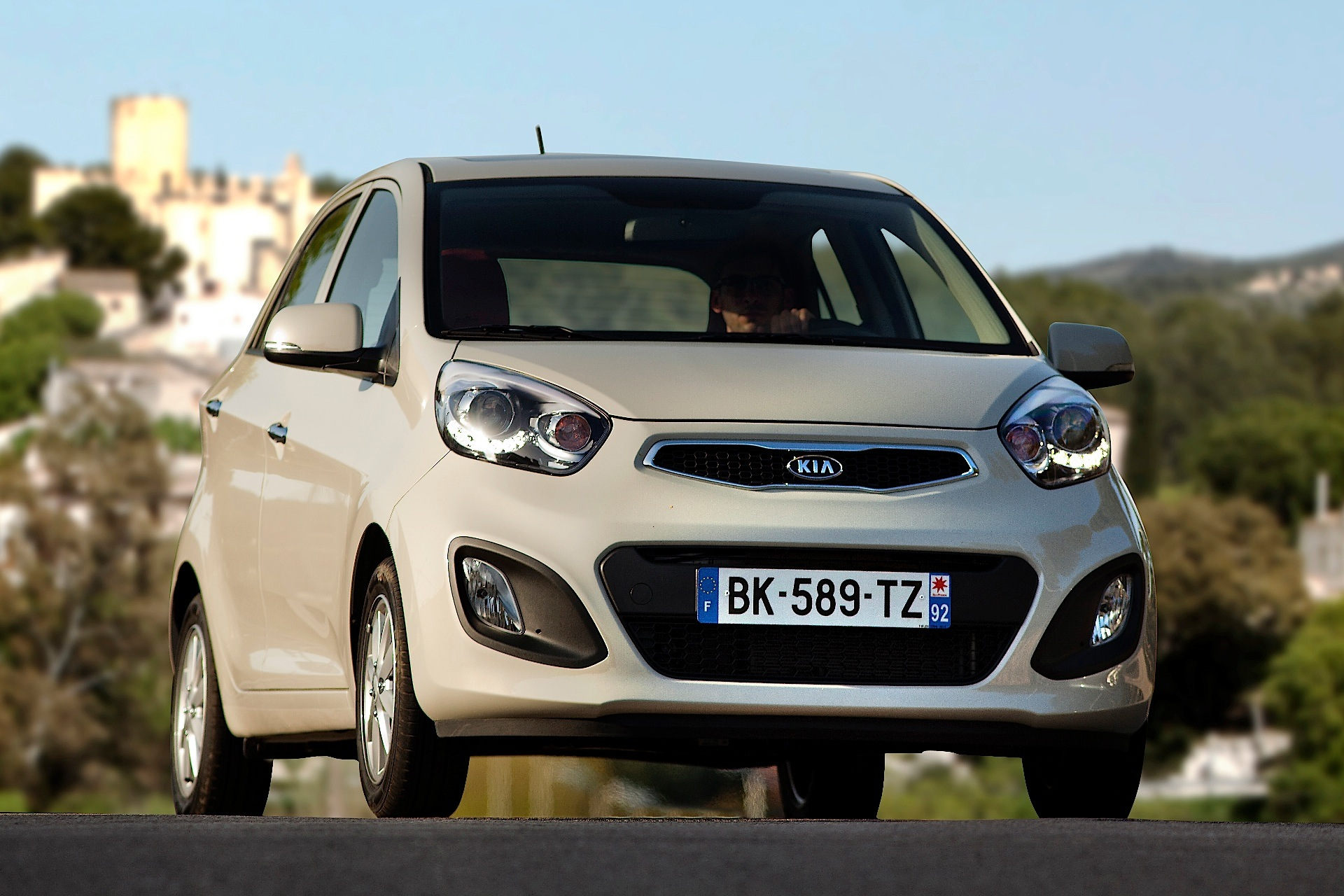 Kia Picanto 5 Doors Specs Amp Photos 2011 2012 2013