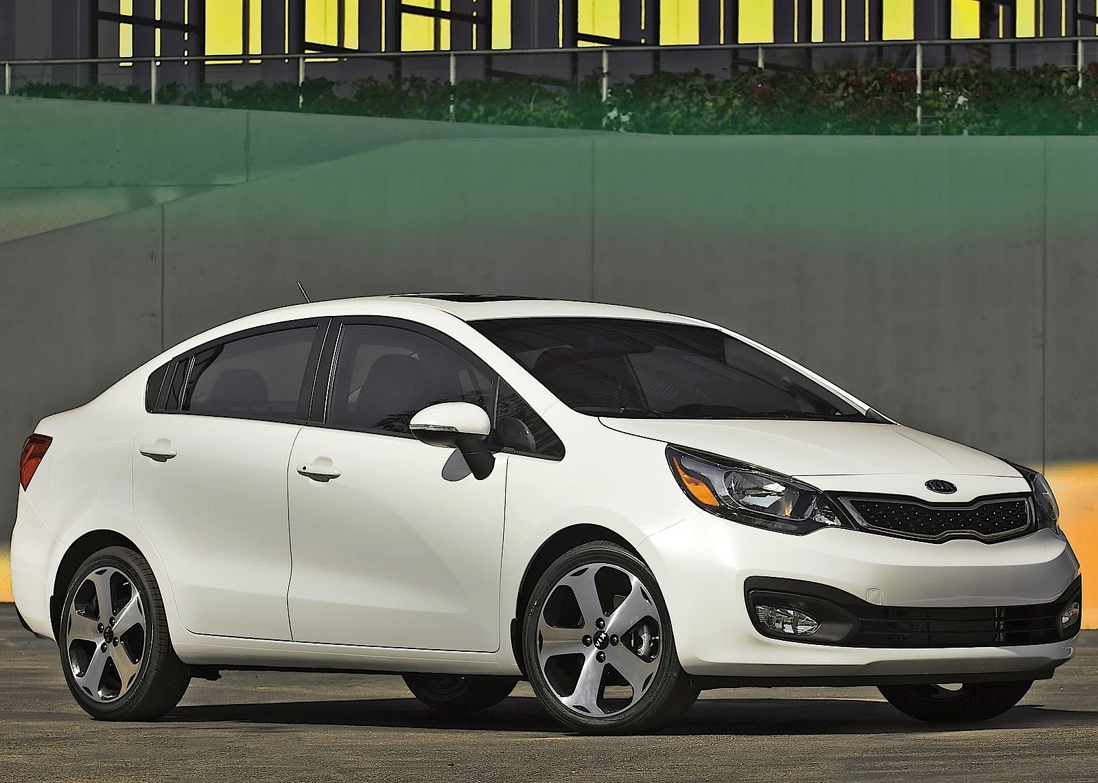 Kia Rio 5 >> KIA Rio Sedan specs & photos - 2011, 2012, 2013, 2014 ...