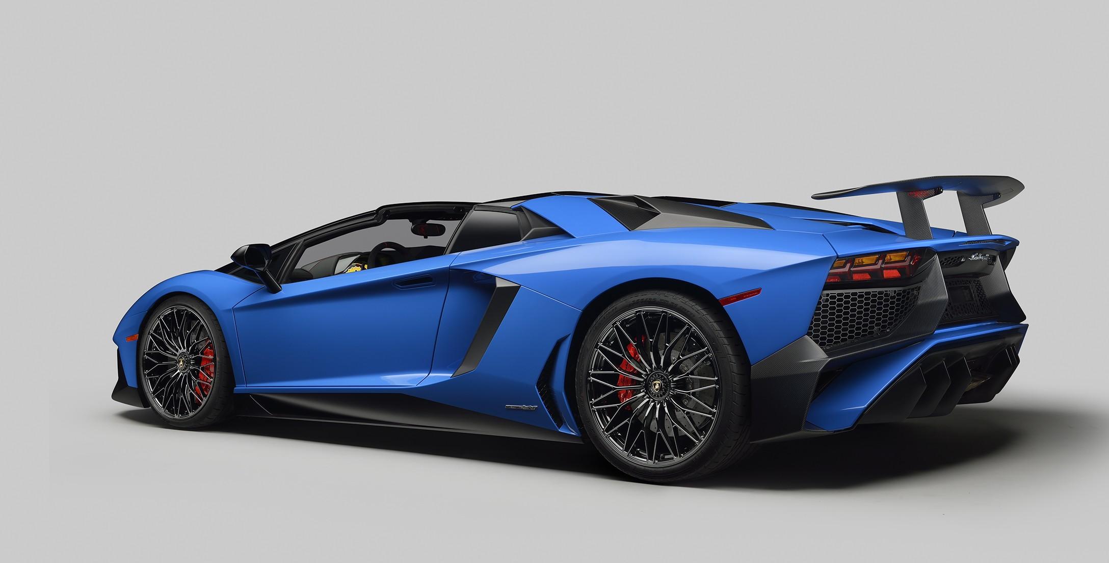 2017 Lamborghini Aventador Coupe >> LAMBORGHINI Aventador LP750-4 SV Roadster - 2015, 2016, 2017 - autoevolution