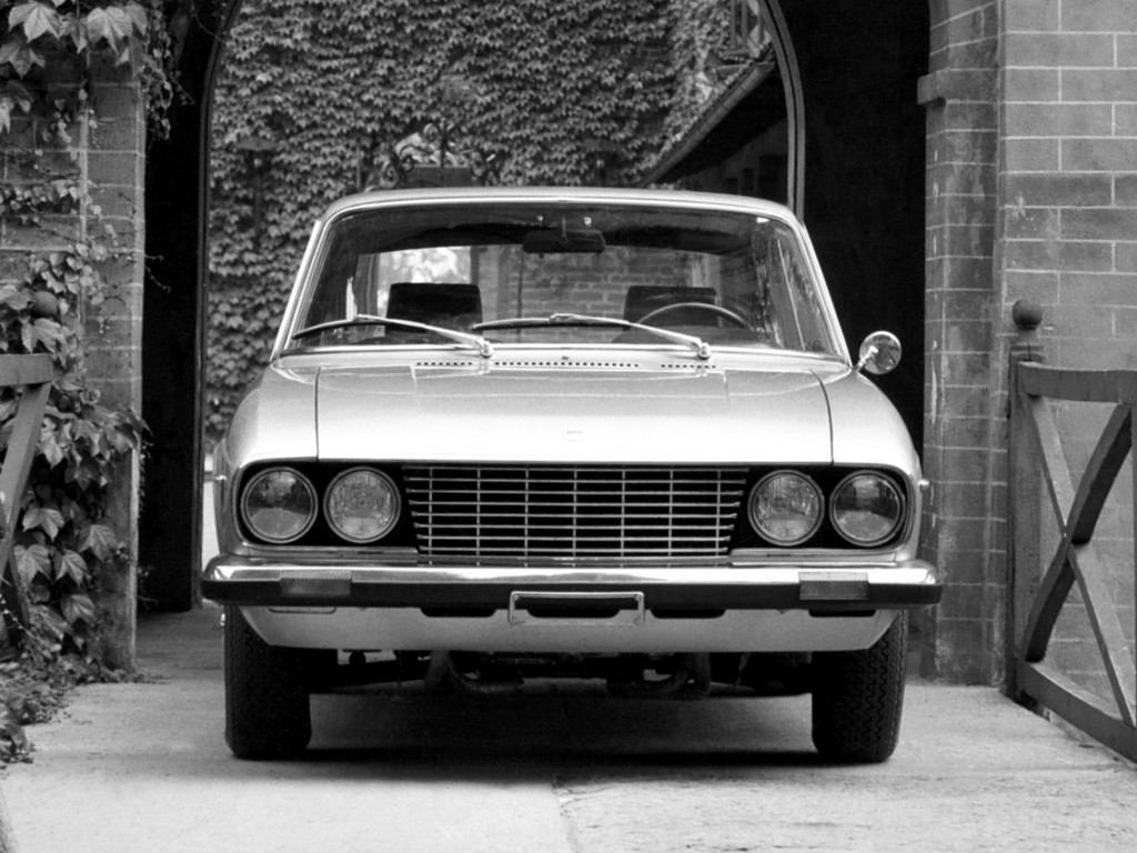 https://s1.cdn.autoevolution.com/images/gallery/LANCIA-2000-Coupe-3372_7.jpg