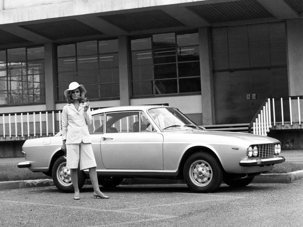 https://s1.cdn.autoevolution.com/images/gallery/LANCIA-2000-Coupe-3372_8.jpg