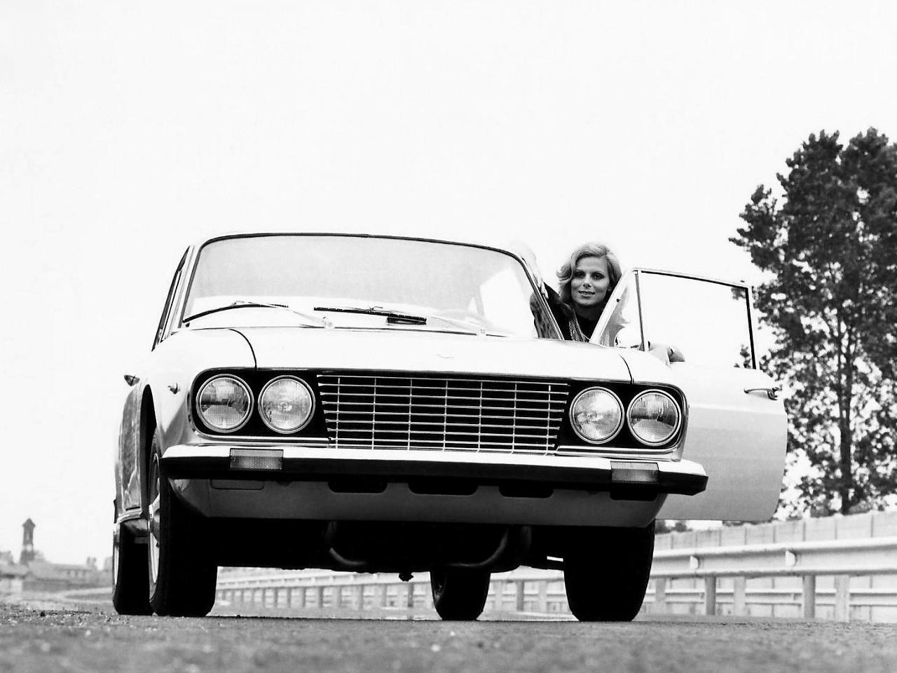 https://s1.cdn.autoevolution.com/images/gallery/LANCIA-2000-Coupe-3372_9.jpg