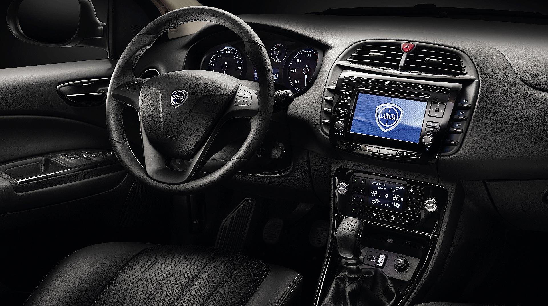 Lancia delta specs 2013 2014 autoevolution for Interno ypsilon elefantino