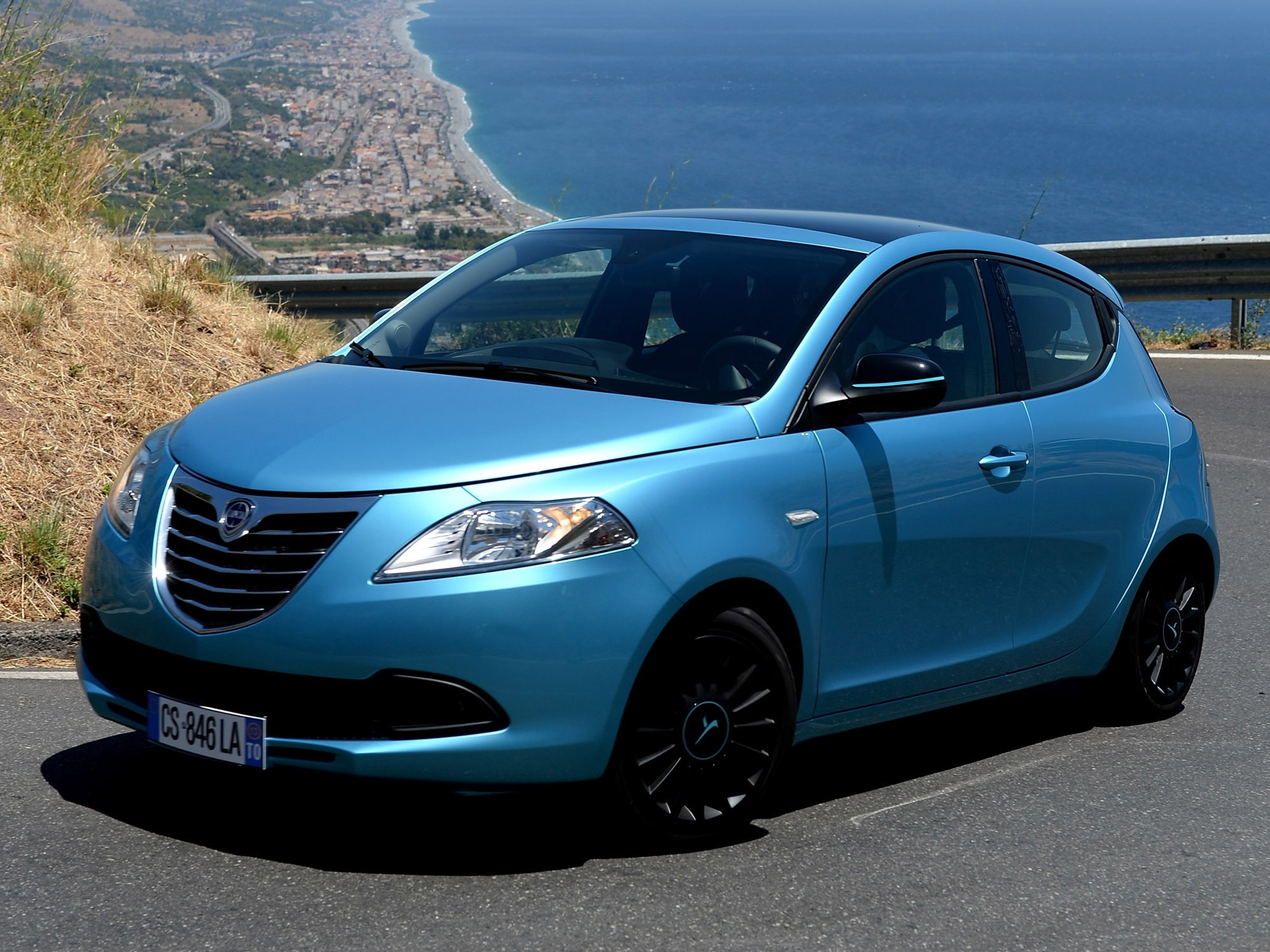 lancia ypsilon specs 2011 2012 2013 2014 2015 autoevolution. Black Bedroom Furniture Sets. Home Design Ideas