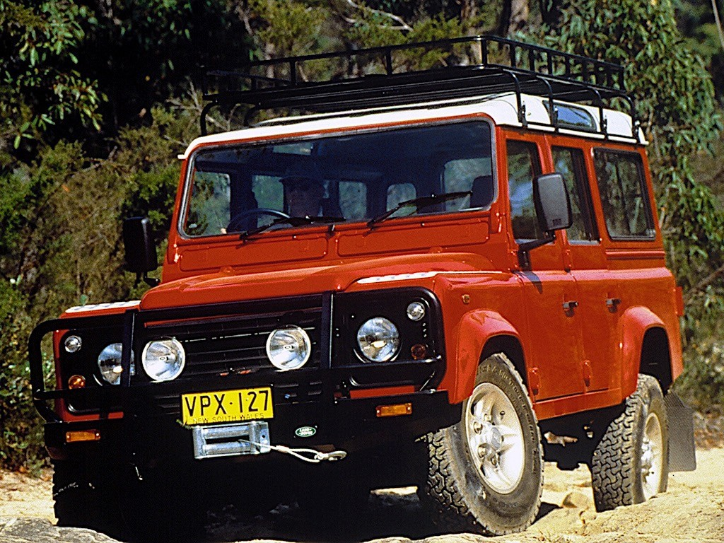 LAND ROVER Defender 110 specs & photos - 1991, 1992, 1993 ...