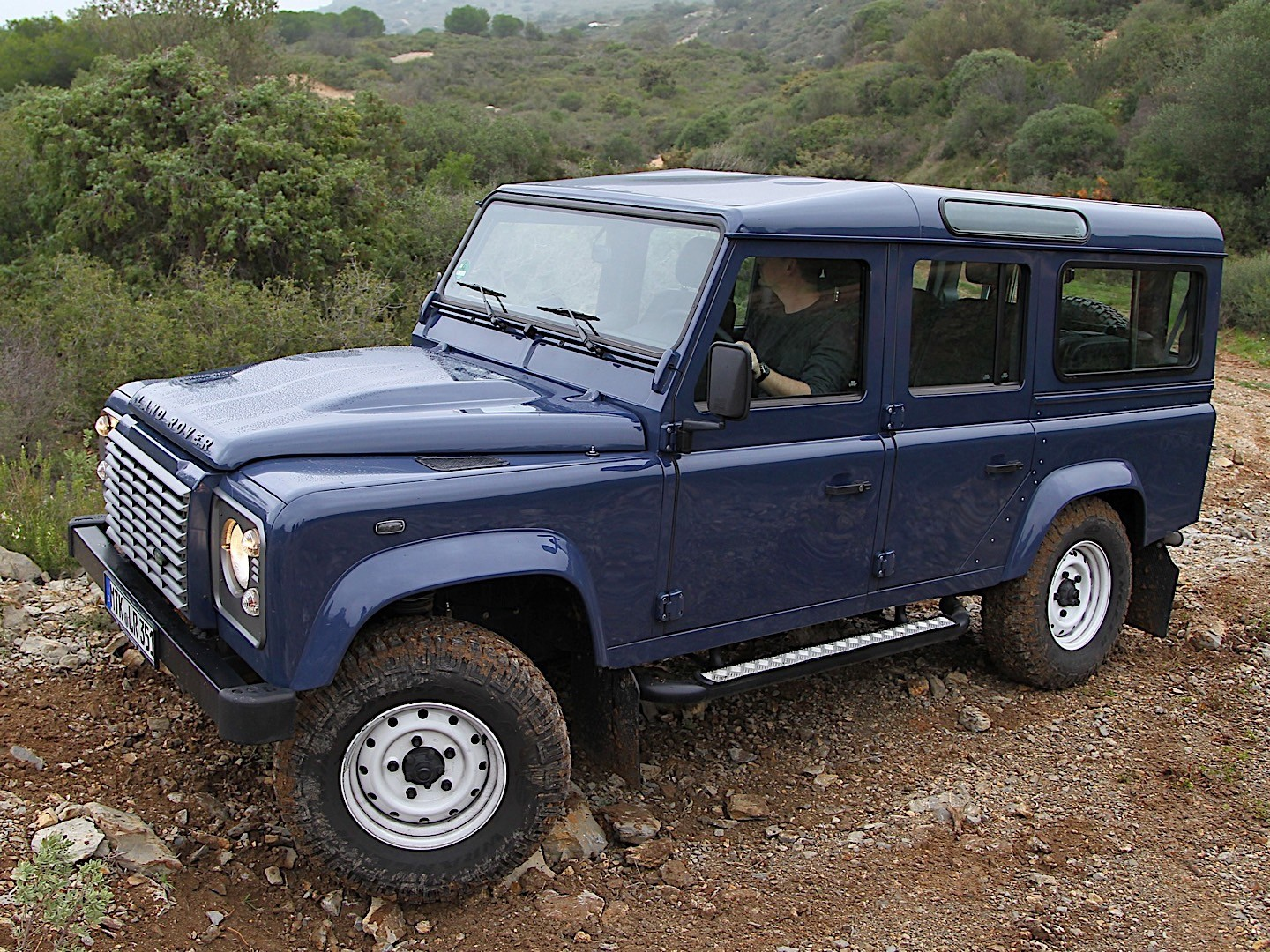 land rover defender 110 specs 2007 2008 2009 2010