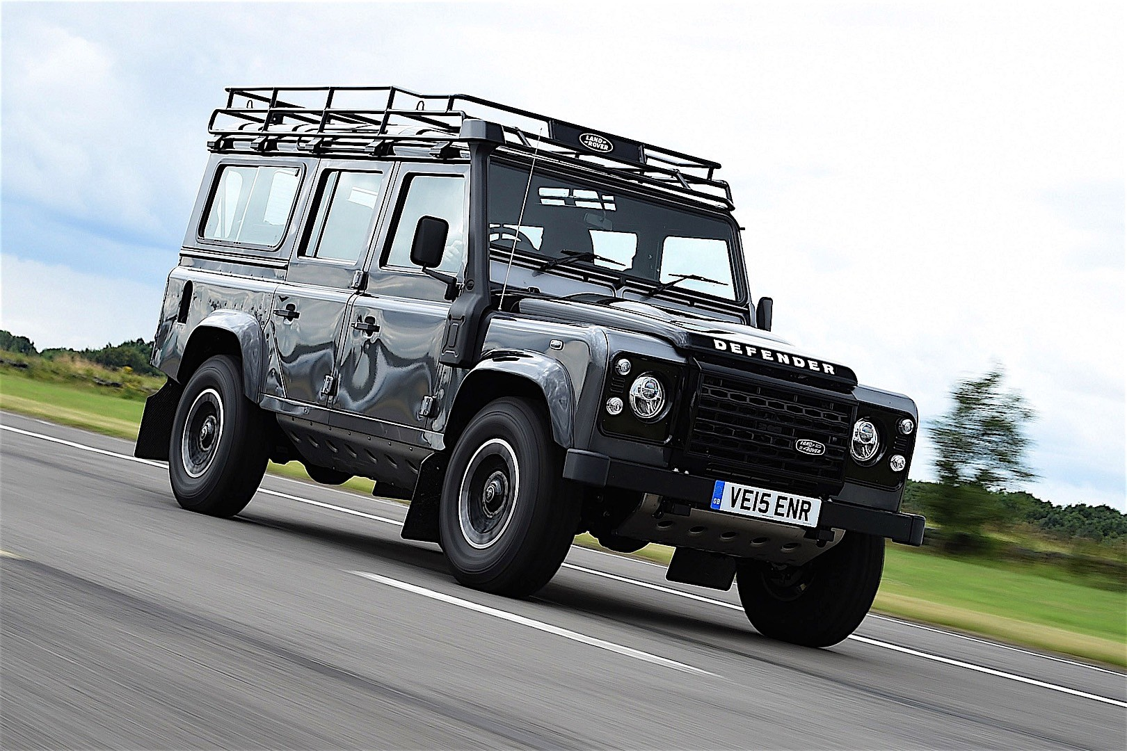 Land Rover Defender 110 Specs Amp Photos 2012 2013 2014
