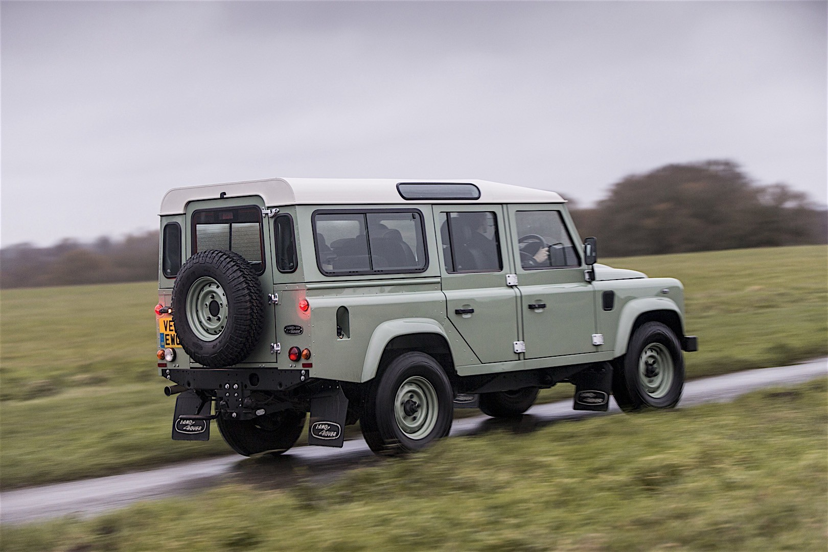 land rover defender 110 2012 2013 2014 2015 2016 autoevolution