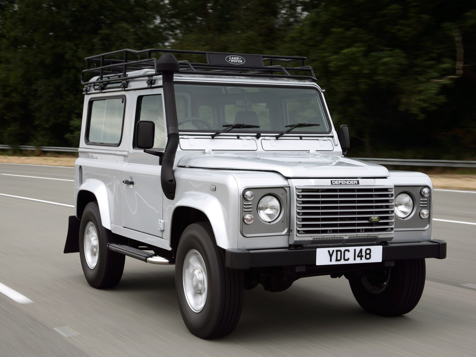 Land Rover Defender 90 Specs Amp Photos 1991 1992 1993