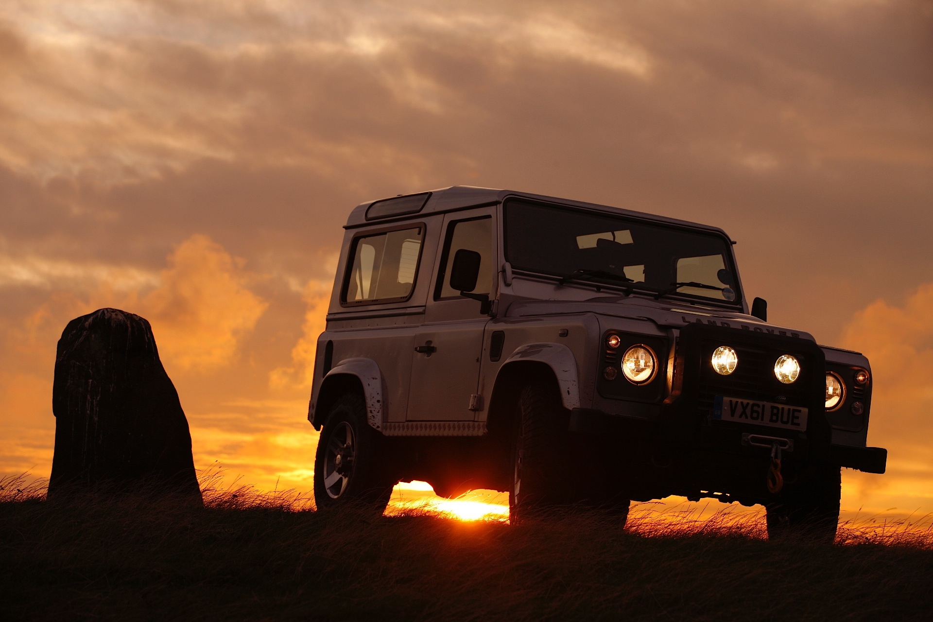 rover land defender autoevolution