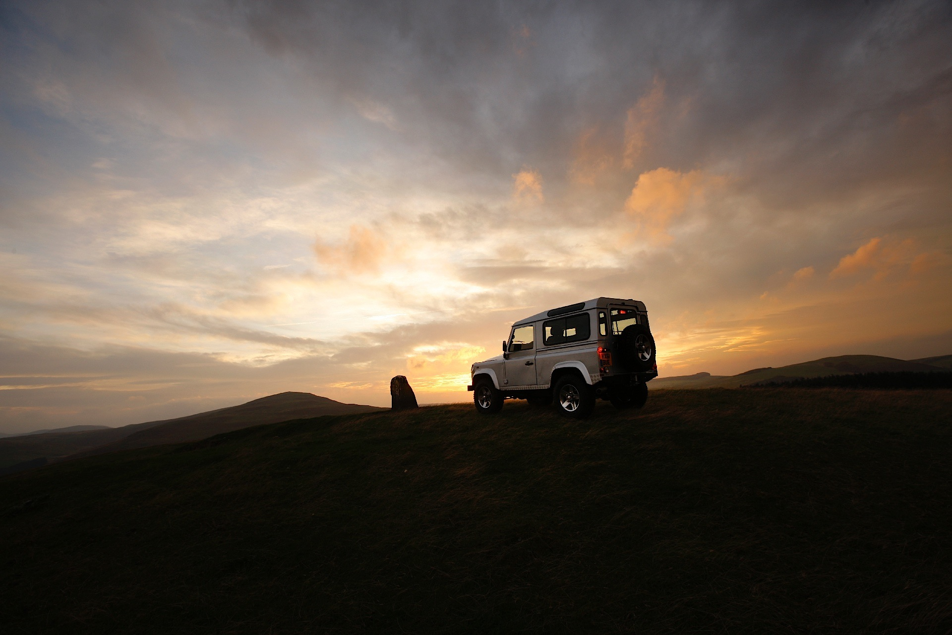 LAND ROVER Defender 90 specs & photos - 2012, 2013, 2014, 2015, 2016 - autoevolution