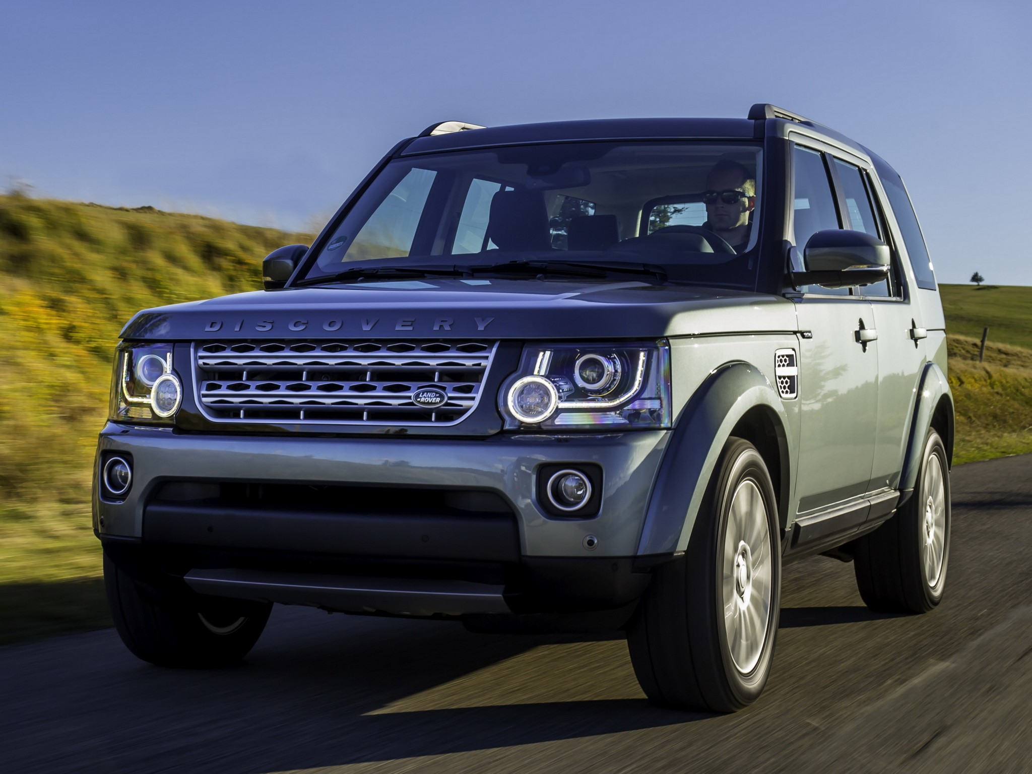 land rover discovery lr4 specs photos 2013 2014 2015 2016 2017 2018 autoevolution. Black Bedroom Furniture Sets. Home Design Ideas