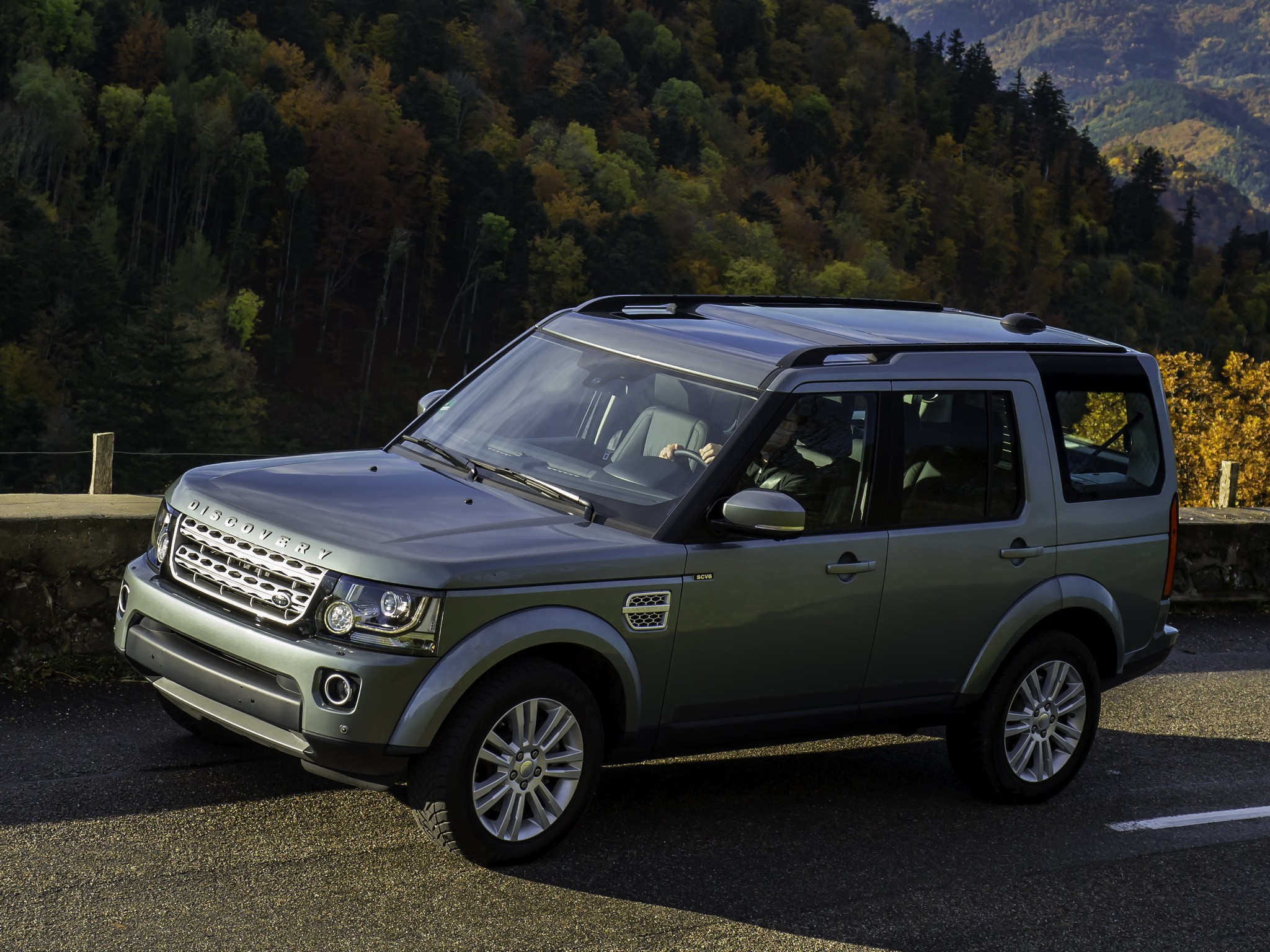 land rover discovery lr4 specs photos 2013 2014. Black Bedroom Furniture Sets. Home Design Ideas
