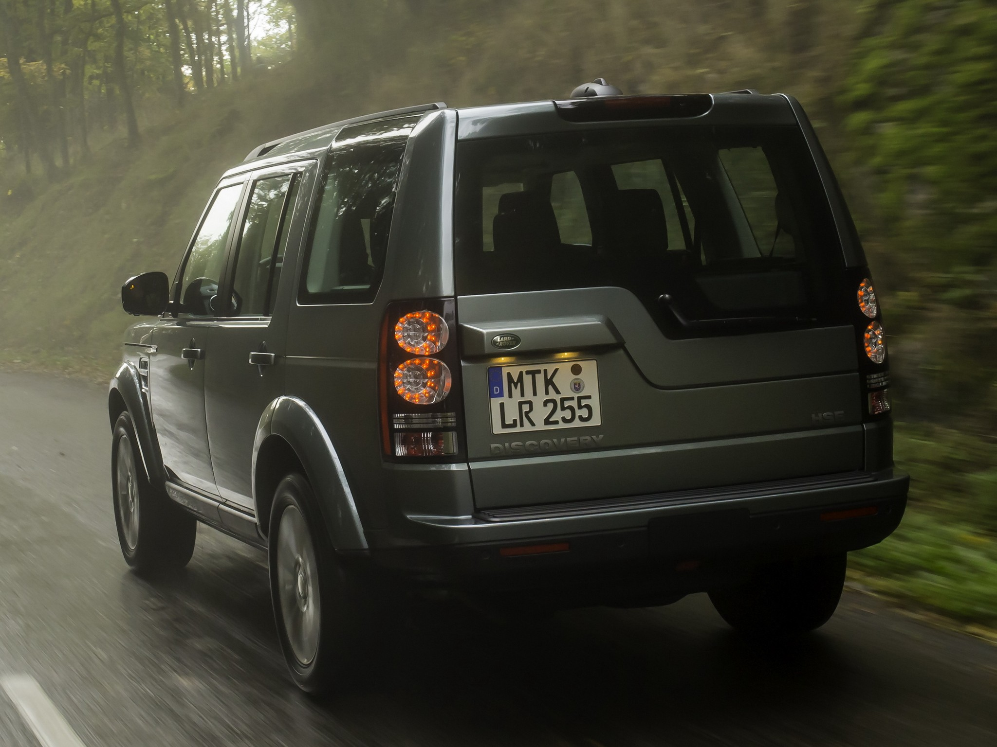 Land Rover Discovery Lr4 Specs Amp Photos 2013 2014