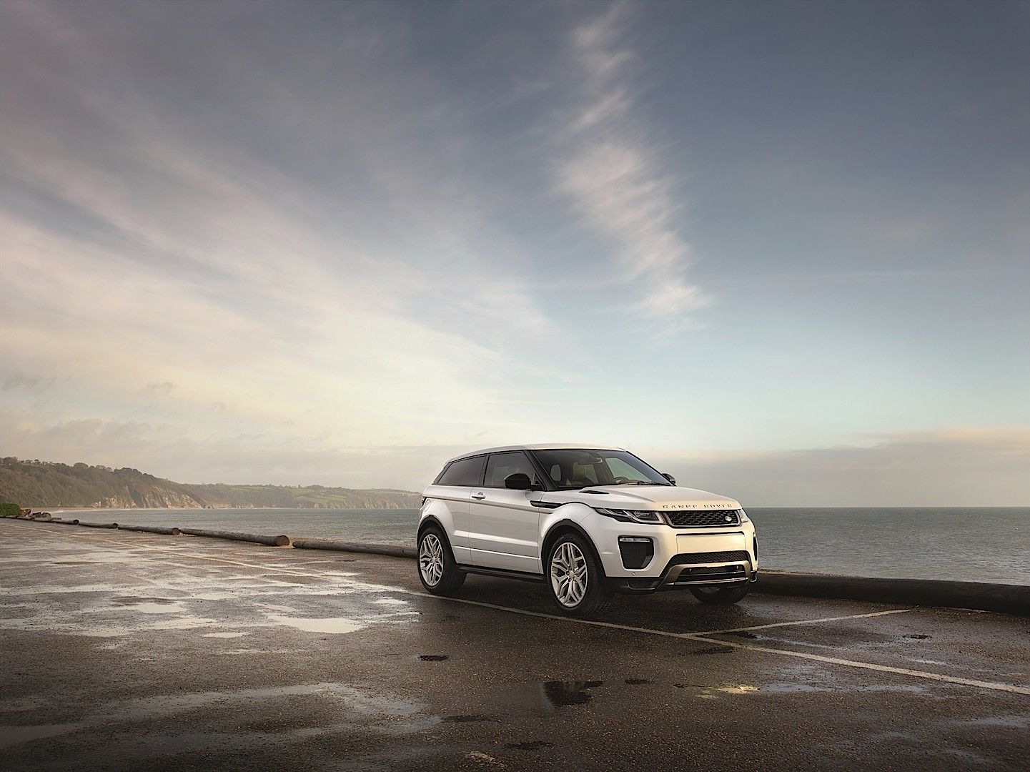 Land Rover Range Rover Evoque 3 Door Specs Amp Photos 2015
