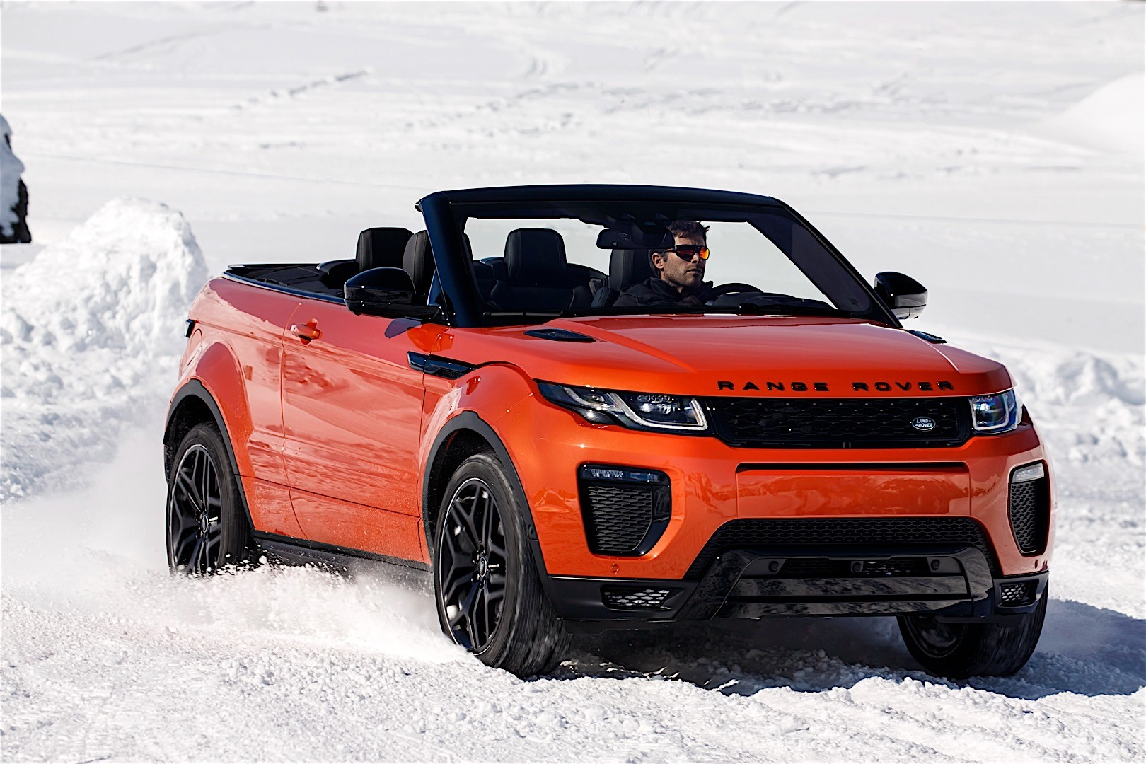 land rover range rover evoque convertible 2016 autoevolution. Black Bedroom Furniture Sets. Home Design Ideas