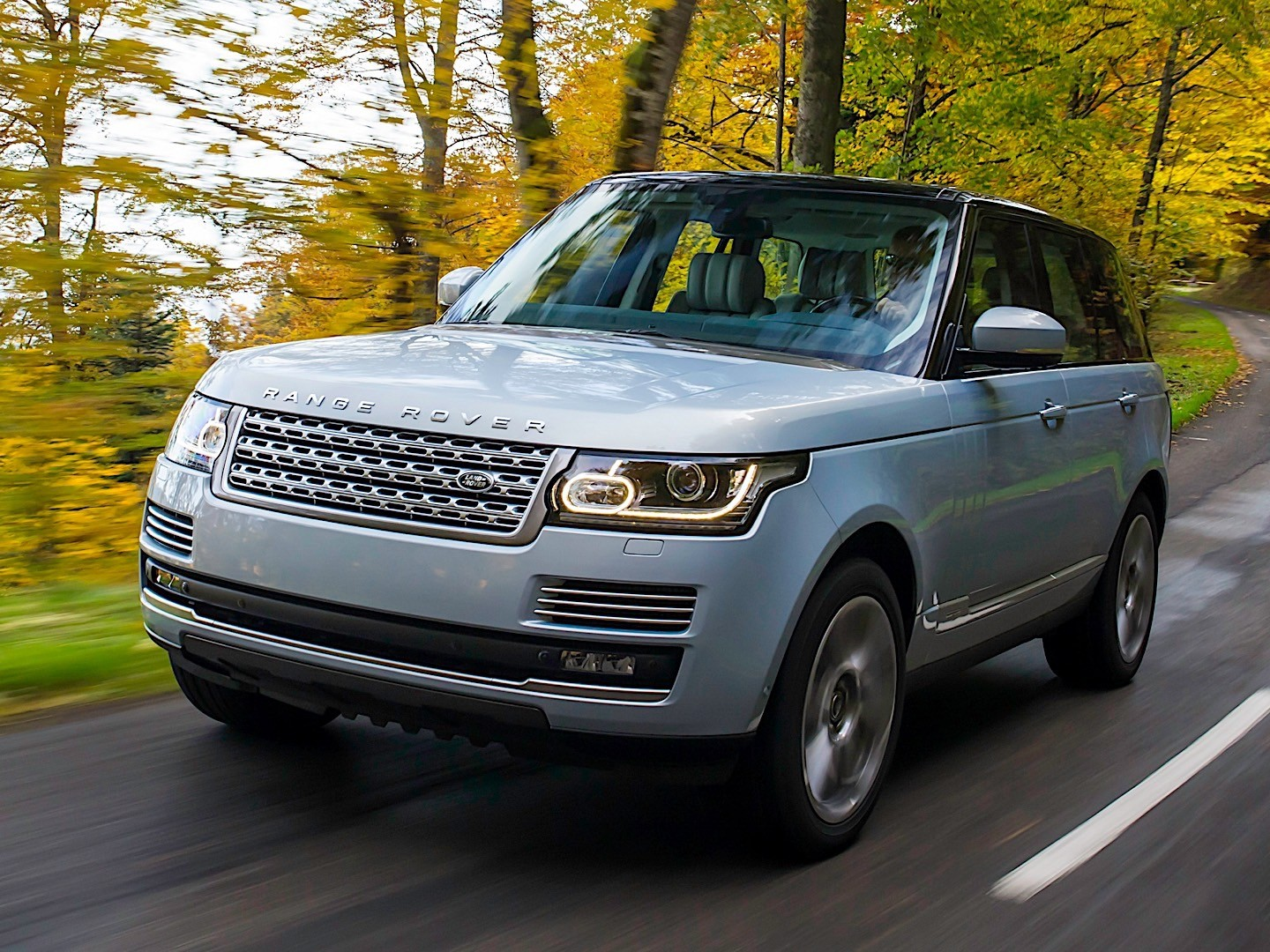 2019 land rover range rover gets plug in hybrid option autos post. Black Bedroom Furniture Sets. Home Design Ideas