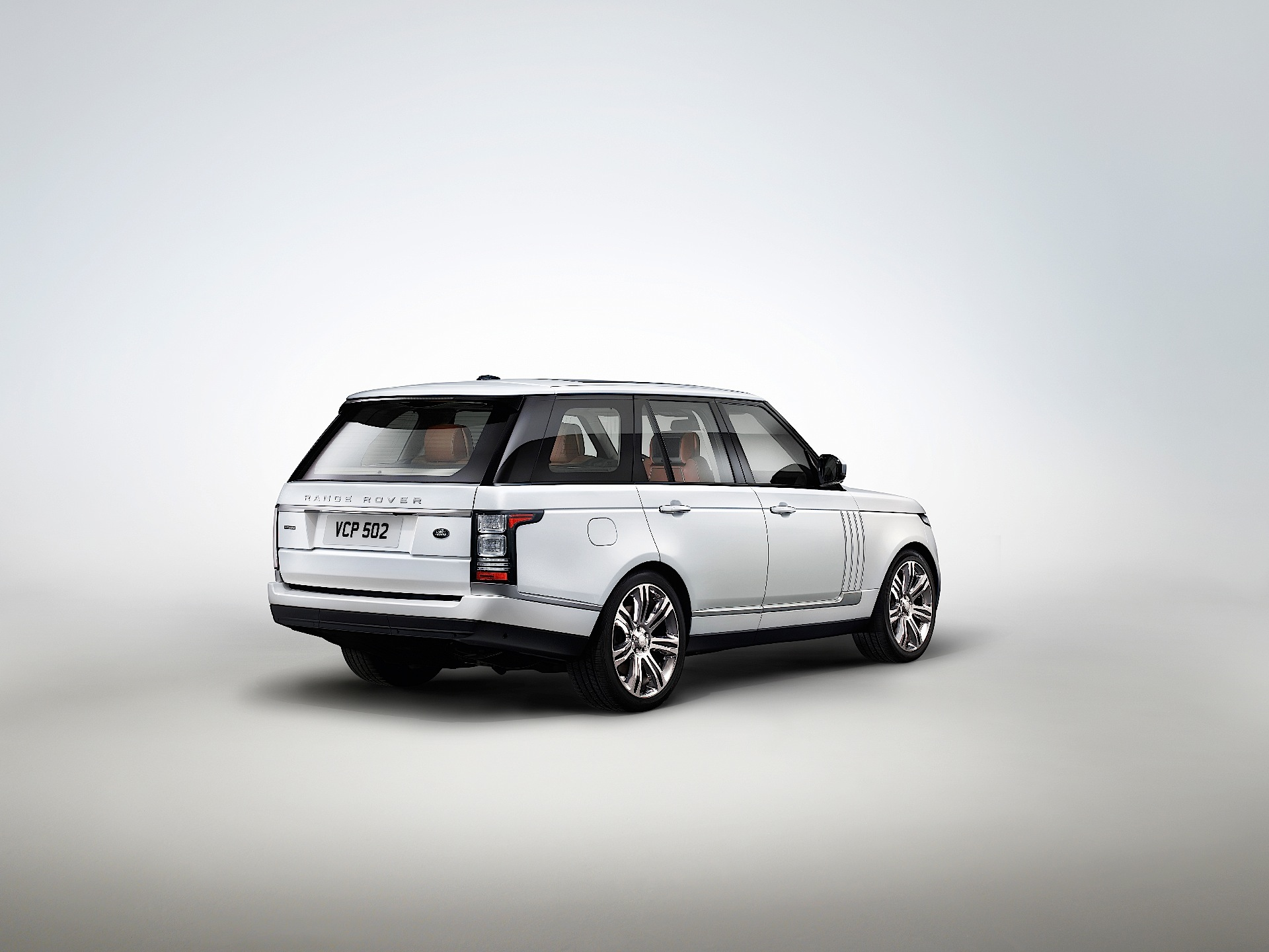 land rover range rover l specs photos 2014 2015 2016 2017 2018 2019 autoevolution. Black Bedroom Furniture Sets. Home Design Ideas