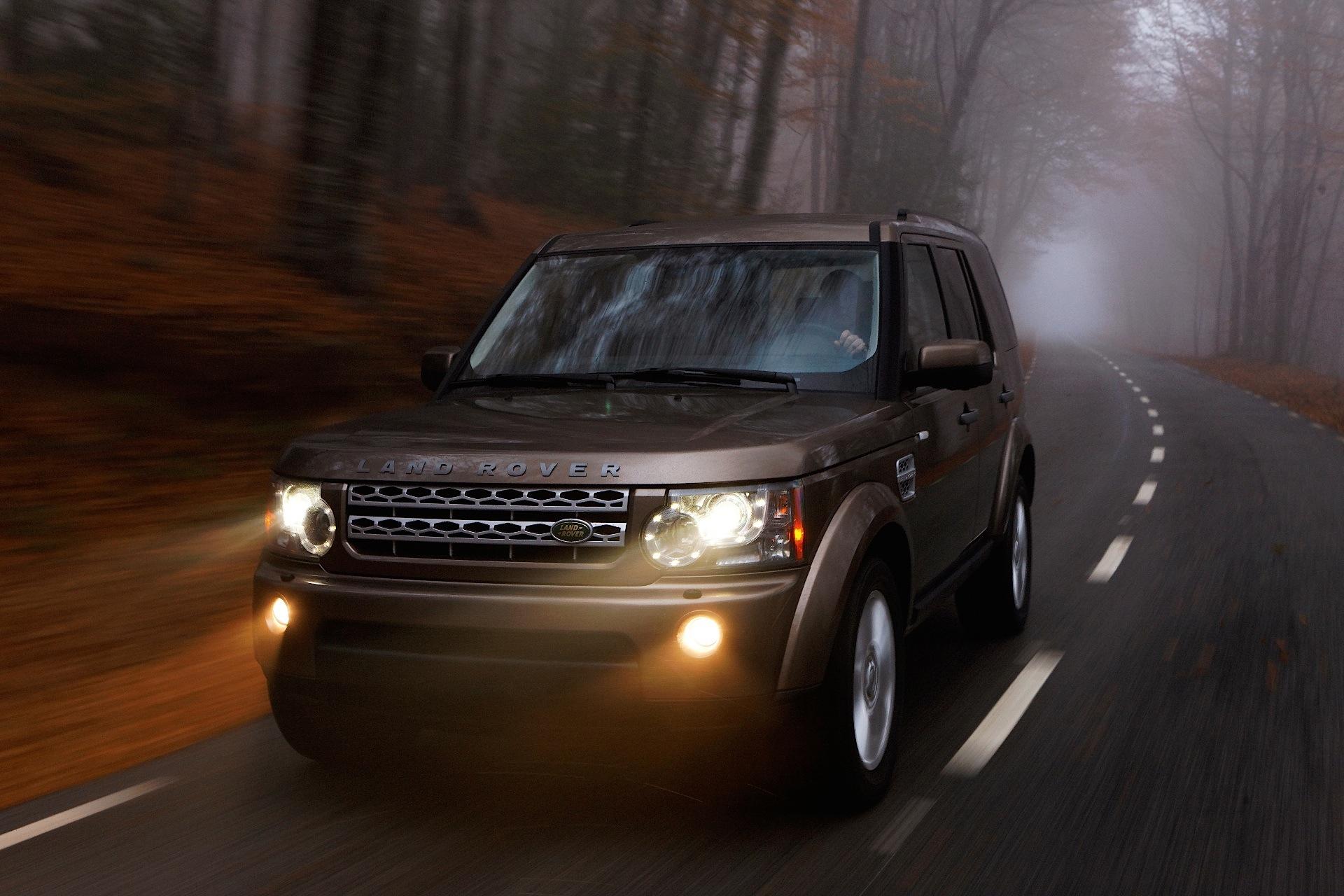 Land Rover Discovery Lr4 Specs Amp Photos 2009 2010