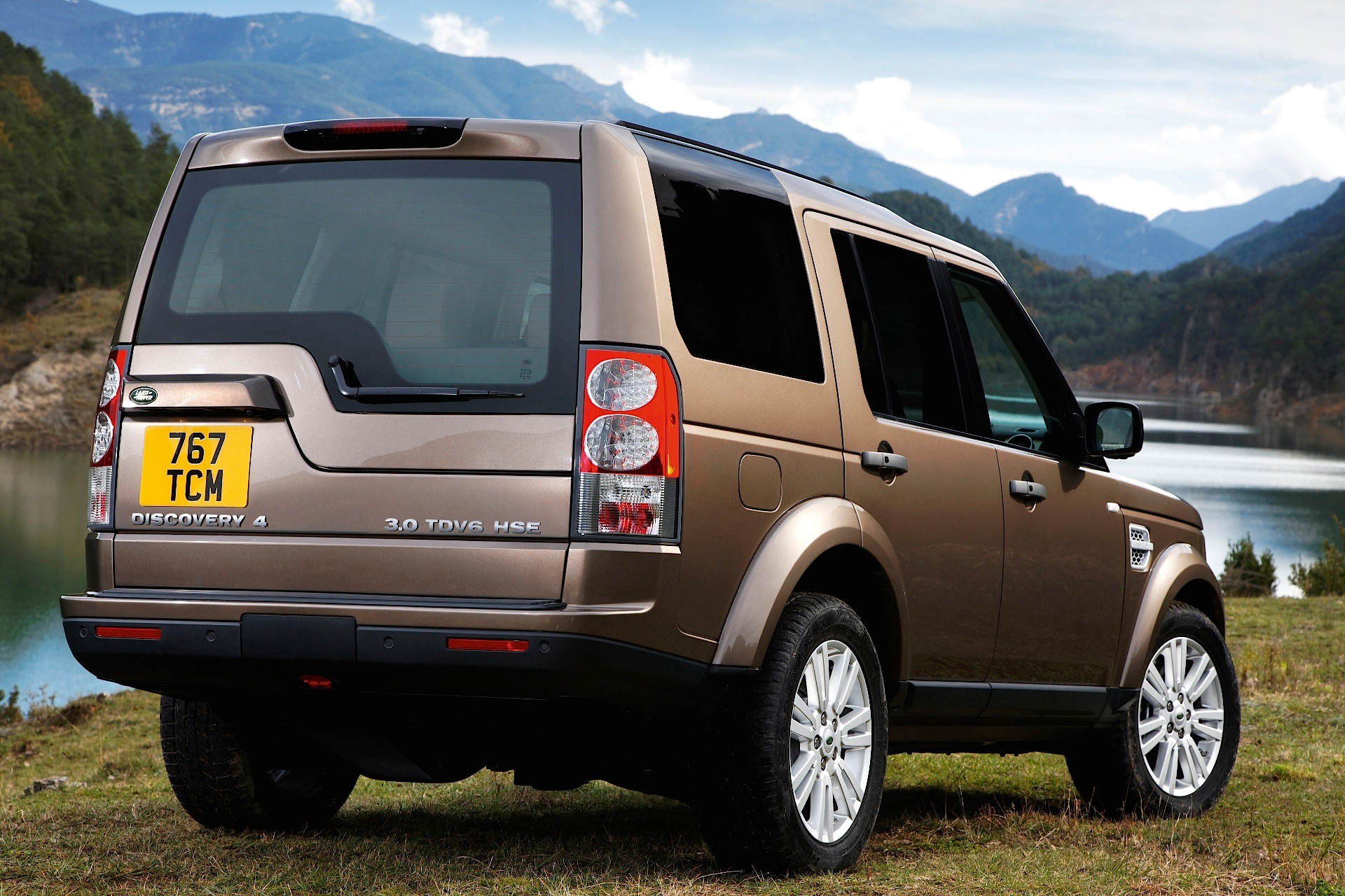 land rover discovery lr4 specs 2009 2010 2011 2012 2013 autoevolution. Black Bedroom Furniture Sets. Home Design Ideas