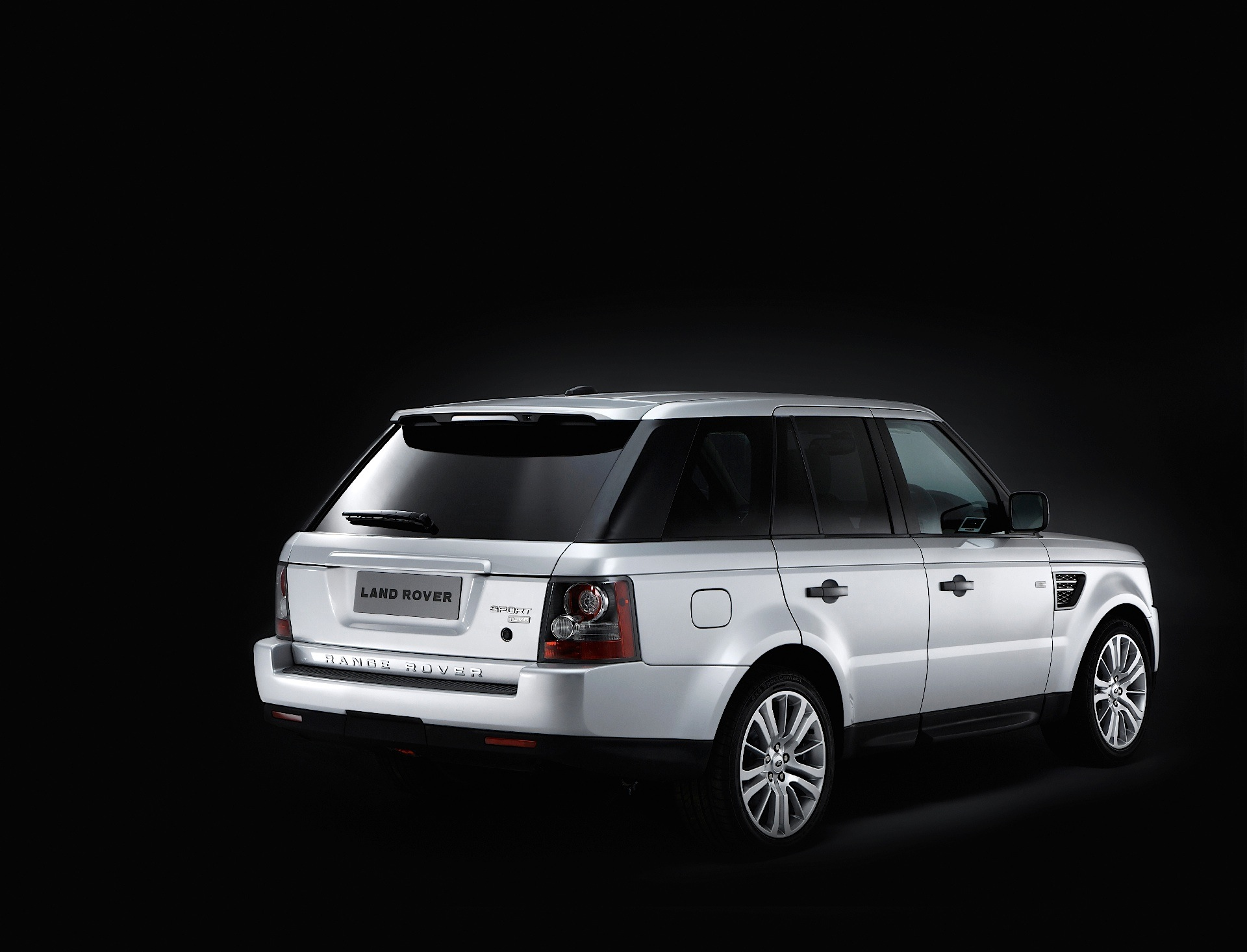land rover range rover sport specs photos 2009 2010. Black Bedroom Furniture Sets. Home Design Ideas